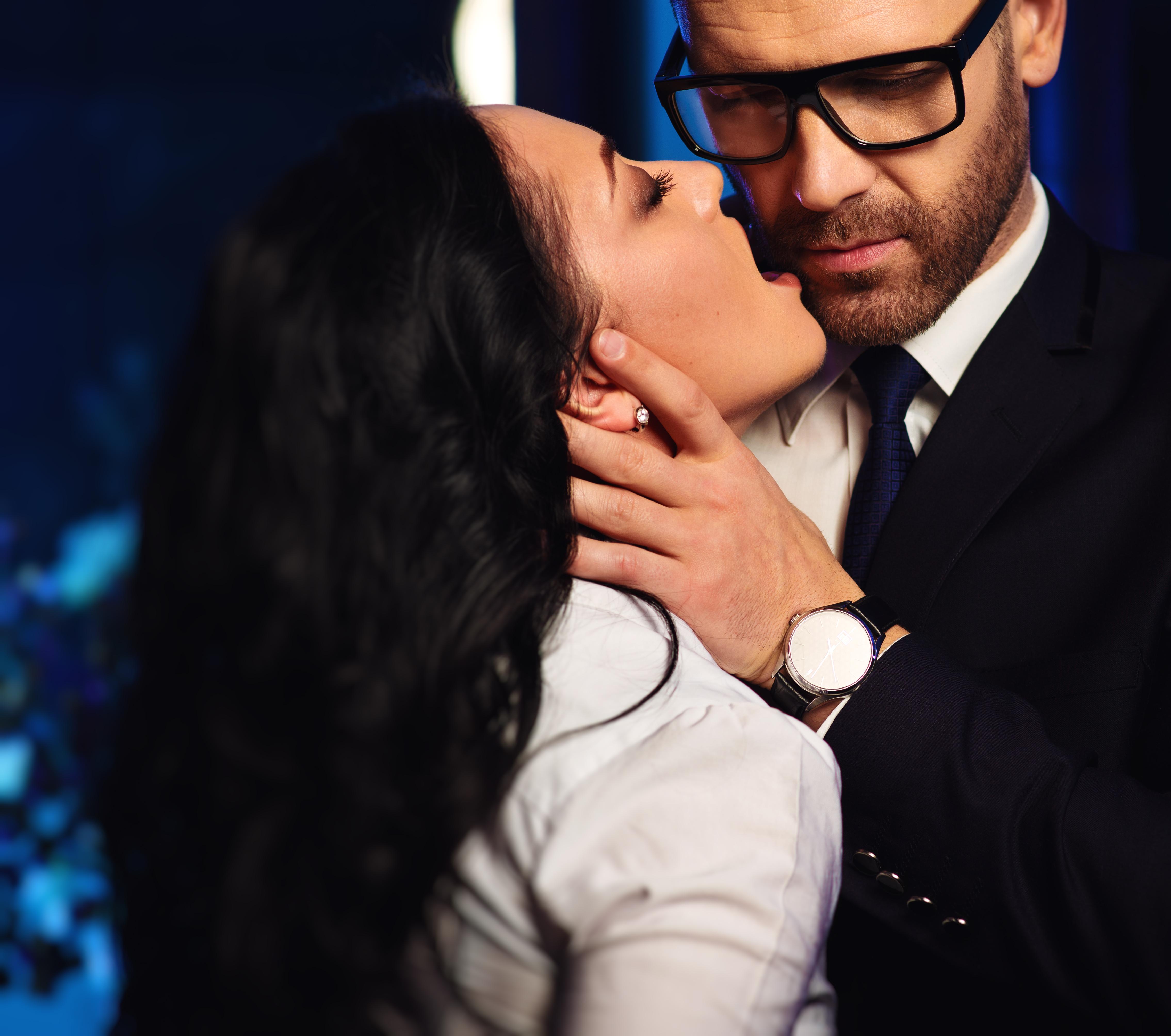 We zijn niet dating, maar hij kuste me