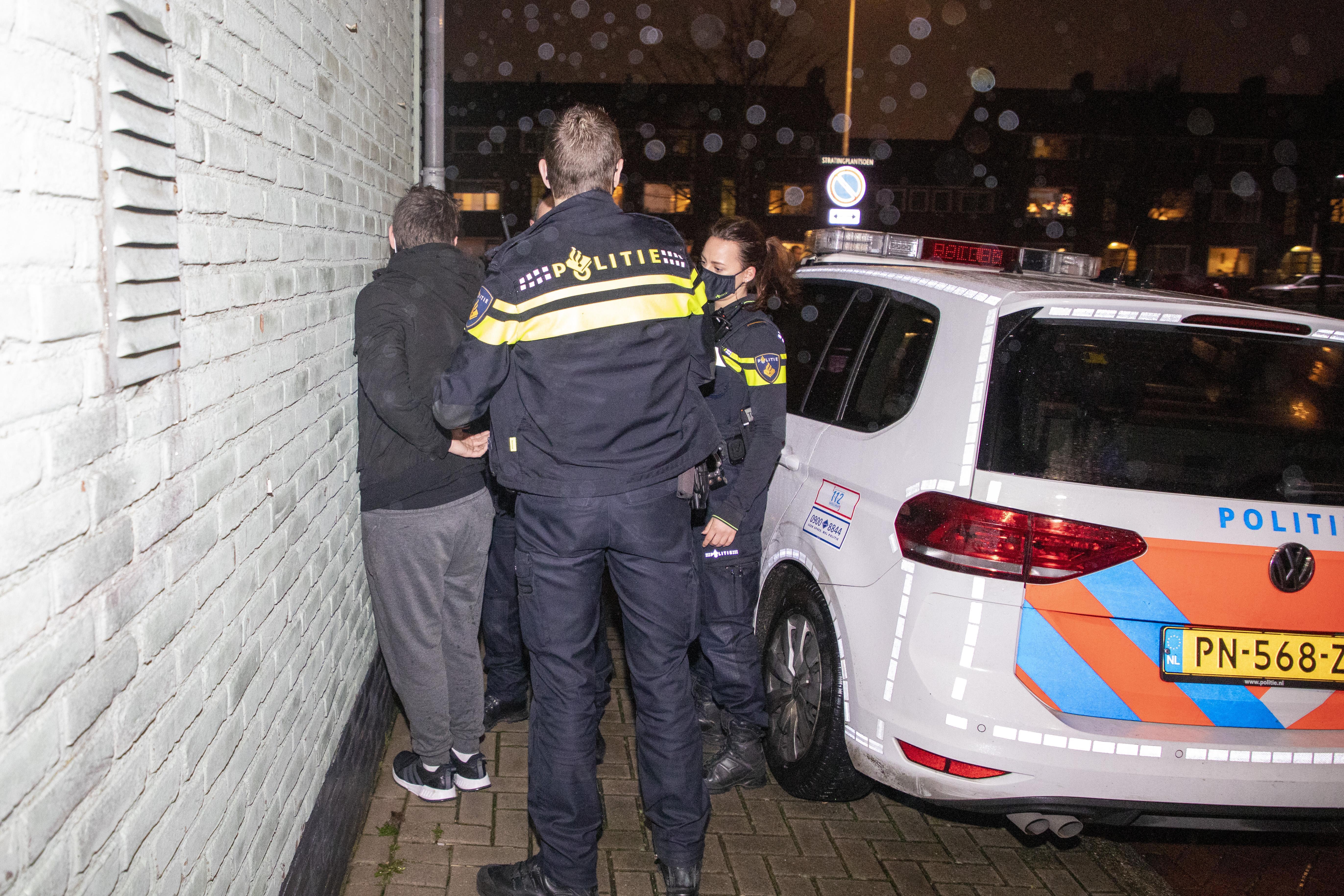 Relschoppers hebben in Velsen-Noord meer gedaan dan slopen. Veel ouderen van De Schulpen 'waanden zich weer in de oorlog'