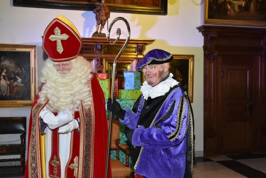 Muiderslot biedt weer slaapplaats aan Sinterklaas; Vanwege corona is de goedheiligman wel alleen digitaal te ontmoeten