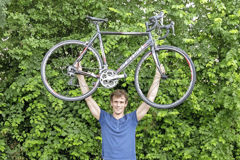 Chris bijt zich als een terriër vast in zoektocht naar gestolen fiets: 'Nooit gedacht dat ik hem nog terug zou zien'