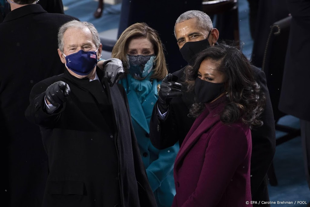 Oud-presidenten VS prijzen vaccins aan in voorlichtingsfilmpjes