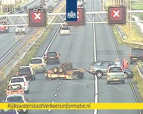 A9 uur dicht na ongeval in richting Haarlem