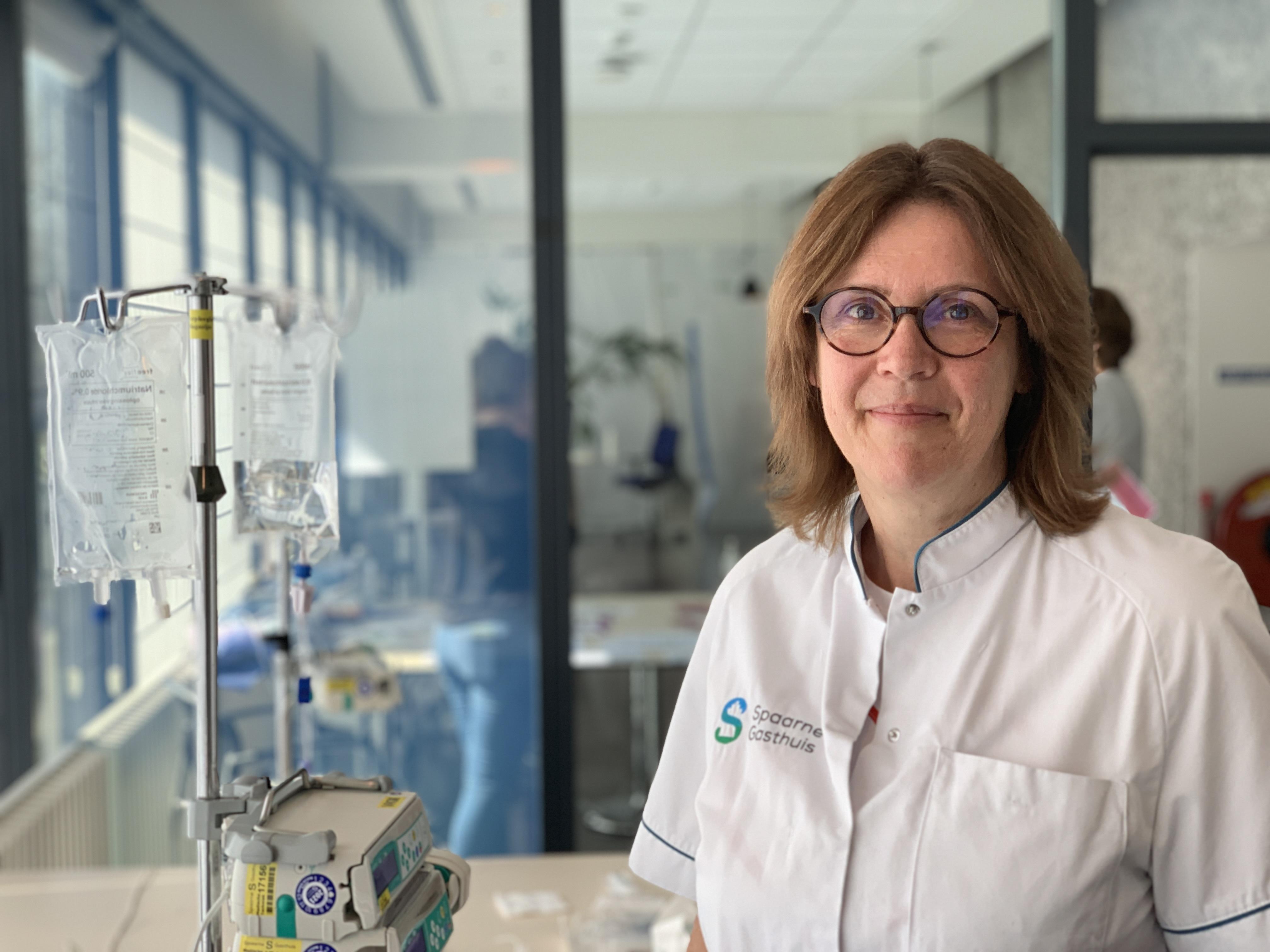 Suzanne Pieters (52 en kwaliteitsfunctionaris) werkt in de coronazorg