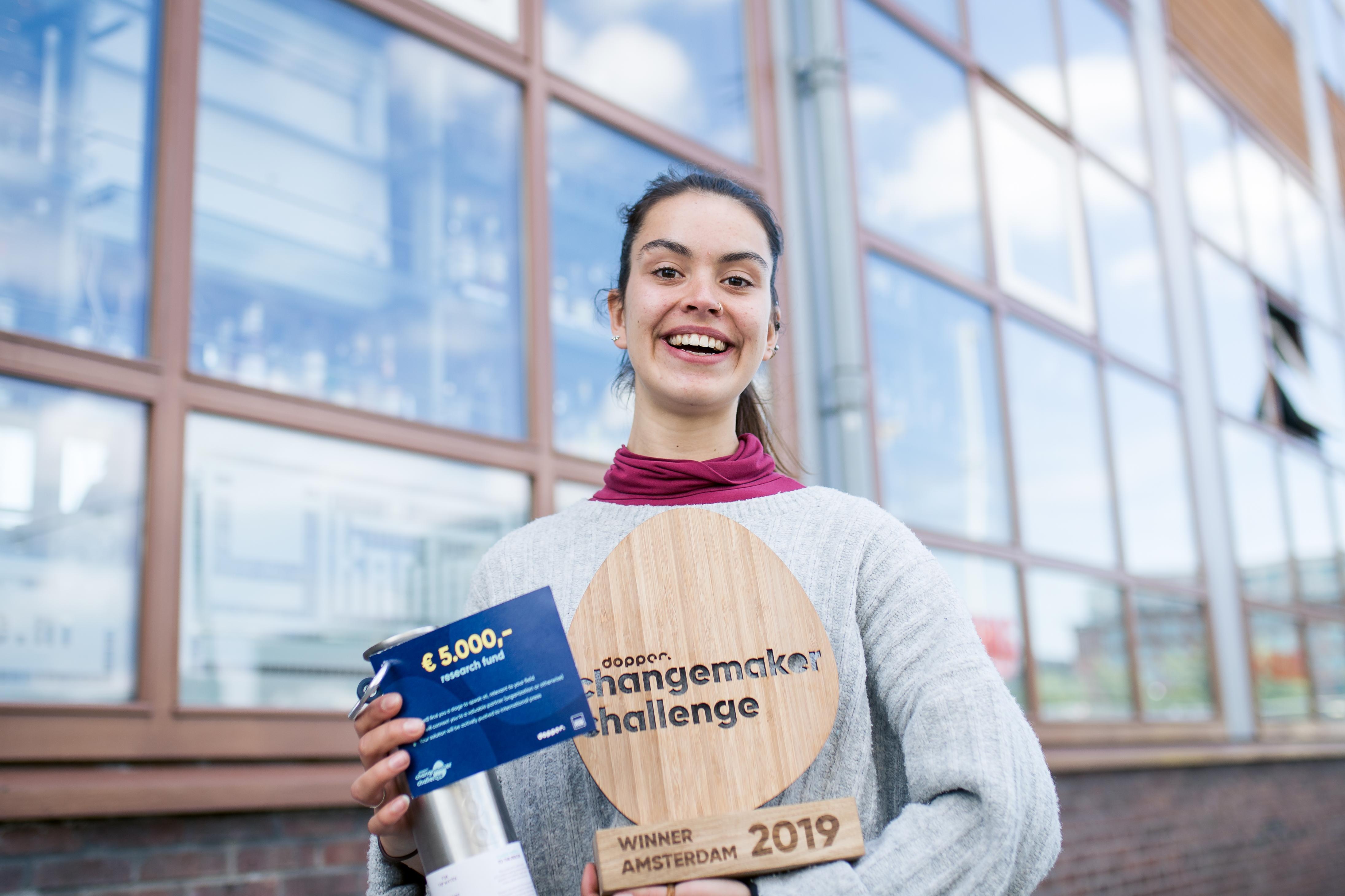 Winnaar van de Haarlemse Dopper Changemaker Challenge: website van Roos biedt wereldwijd lessen aan over plasticprobleem