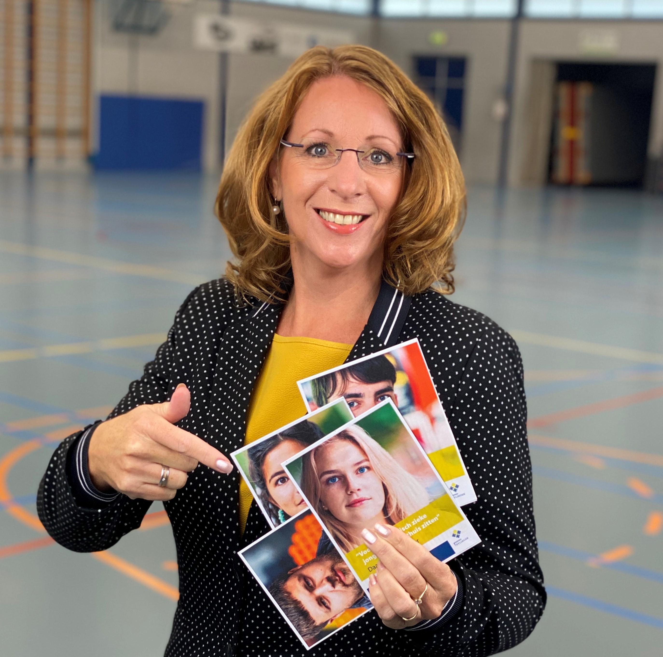 Burgemeester van Teylingen wil mét jongeren corona te lijf [video]