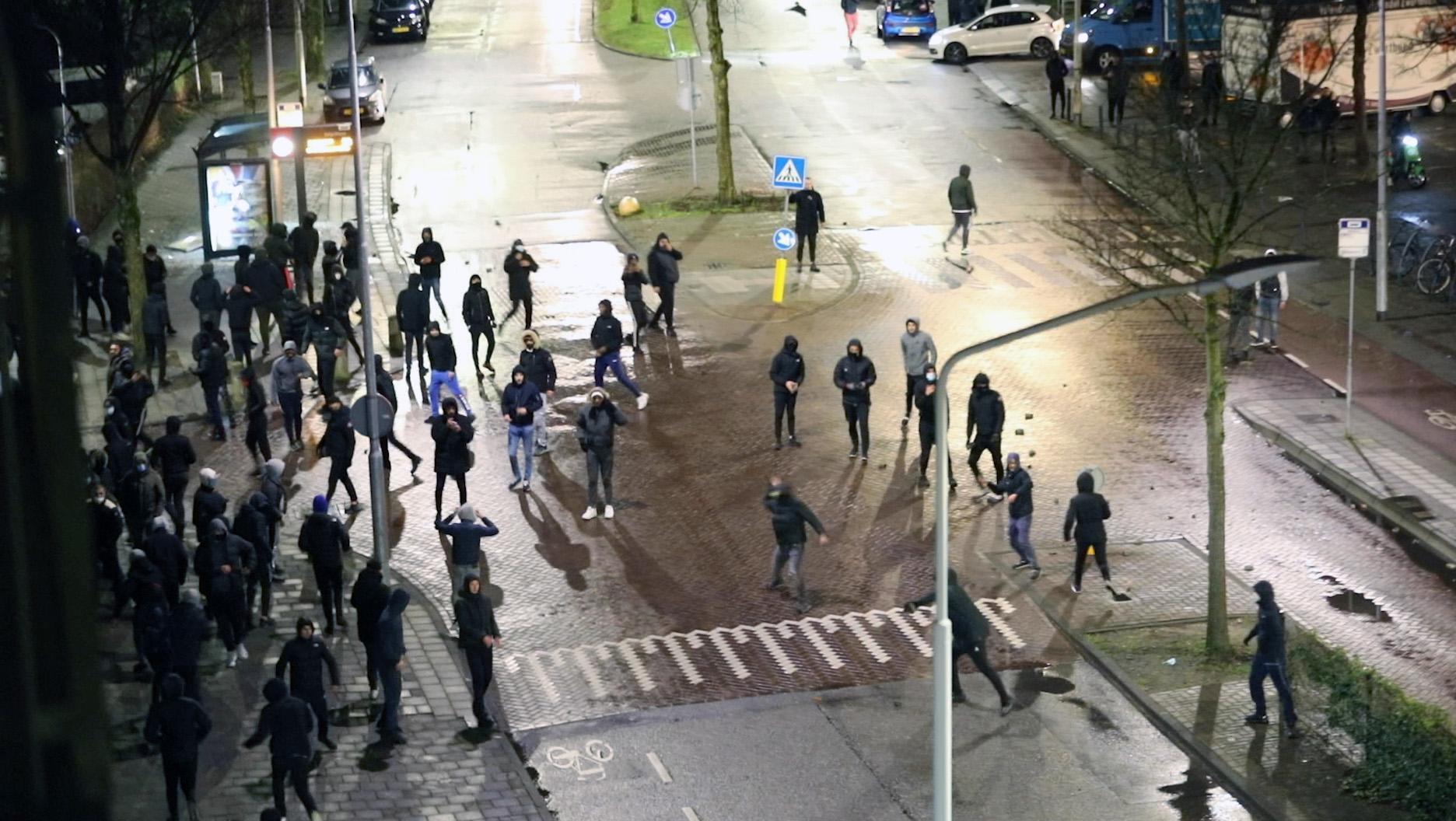 Relschoppers Schalkwijk kwamen uit Haarlem, IJmuiden en Zaandam; jonge arrestanten waren al bekenden van de politie