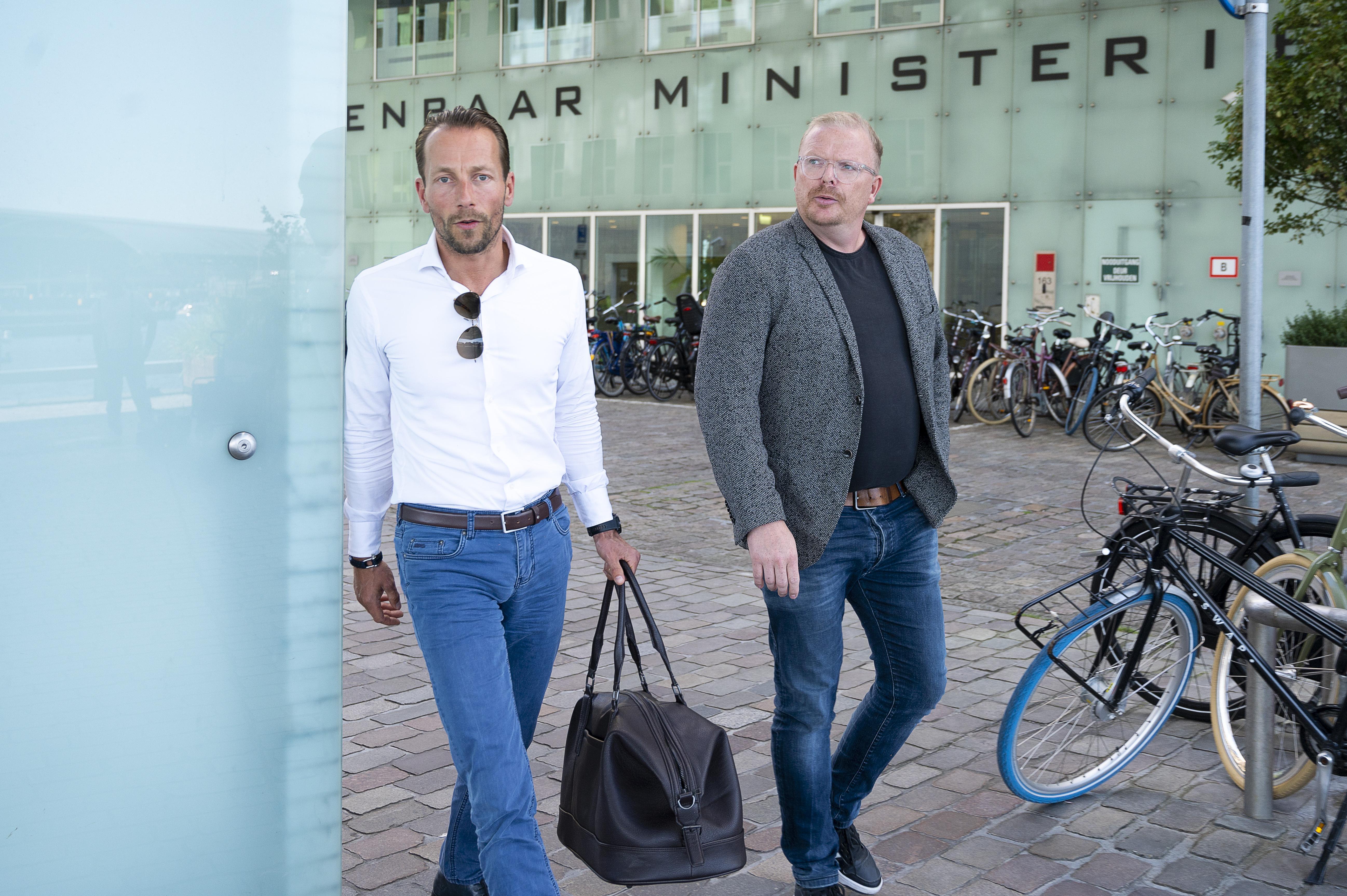 'Er zijn voldoende 16-jarigen die hele vervelende feiten begaan': BN'er Jan Roos vindt dat hij onterecht is veroordeeld na vuistslag op terras in Bergen