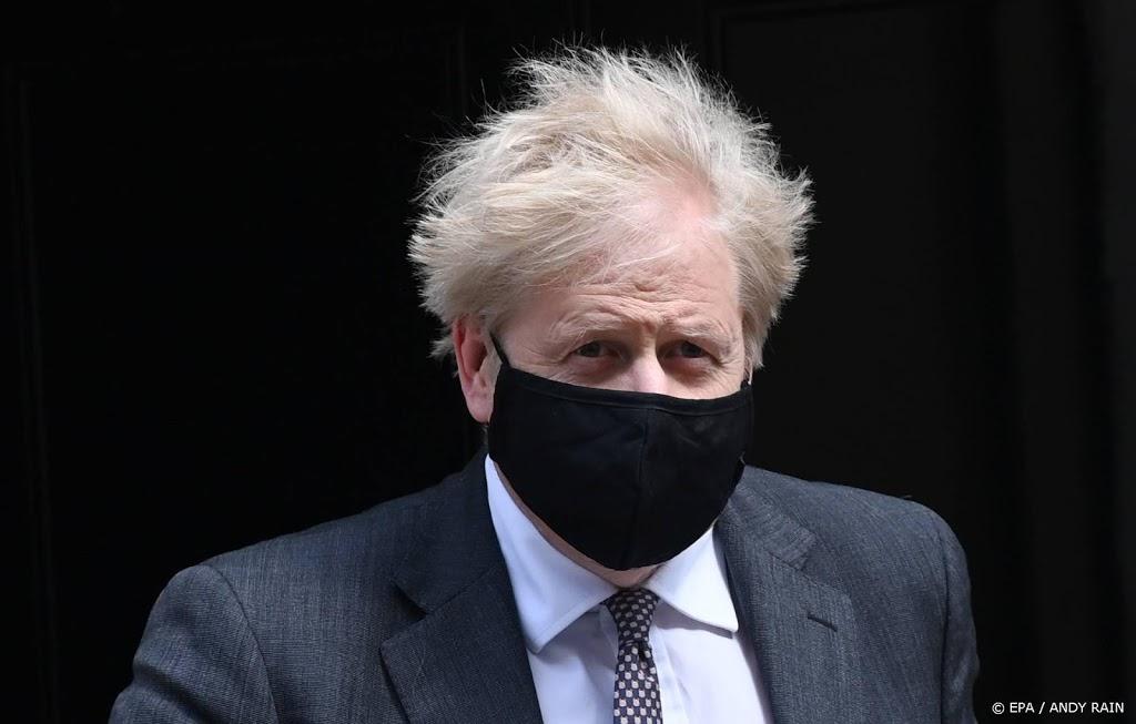 'Britse premier wilde liever 'stapels lijken' dan lockdown'