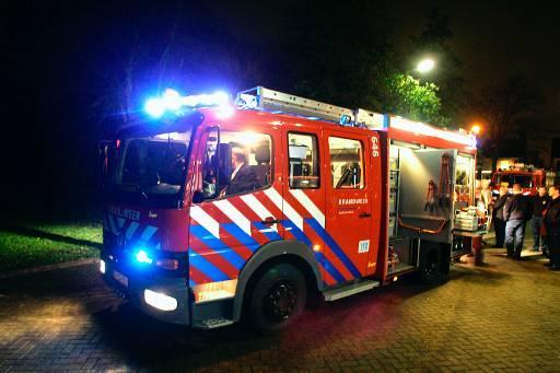 De brandweerkazerne van Dirkshorn? Dat was die ene waar de brandweerwagen niet in paste. Straks wel. De nieuwe kazerne kost 1,9 miljoen euro, maar dan hebben de spuitgasten wel hun eigen oefenterrein