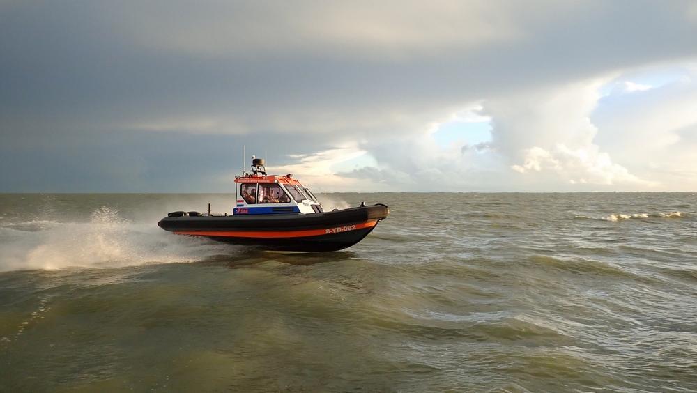 Vrijwilligers reddingstation Wijdenes ontvangen nieuwe reddingboot met open armen