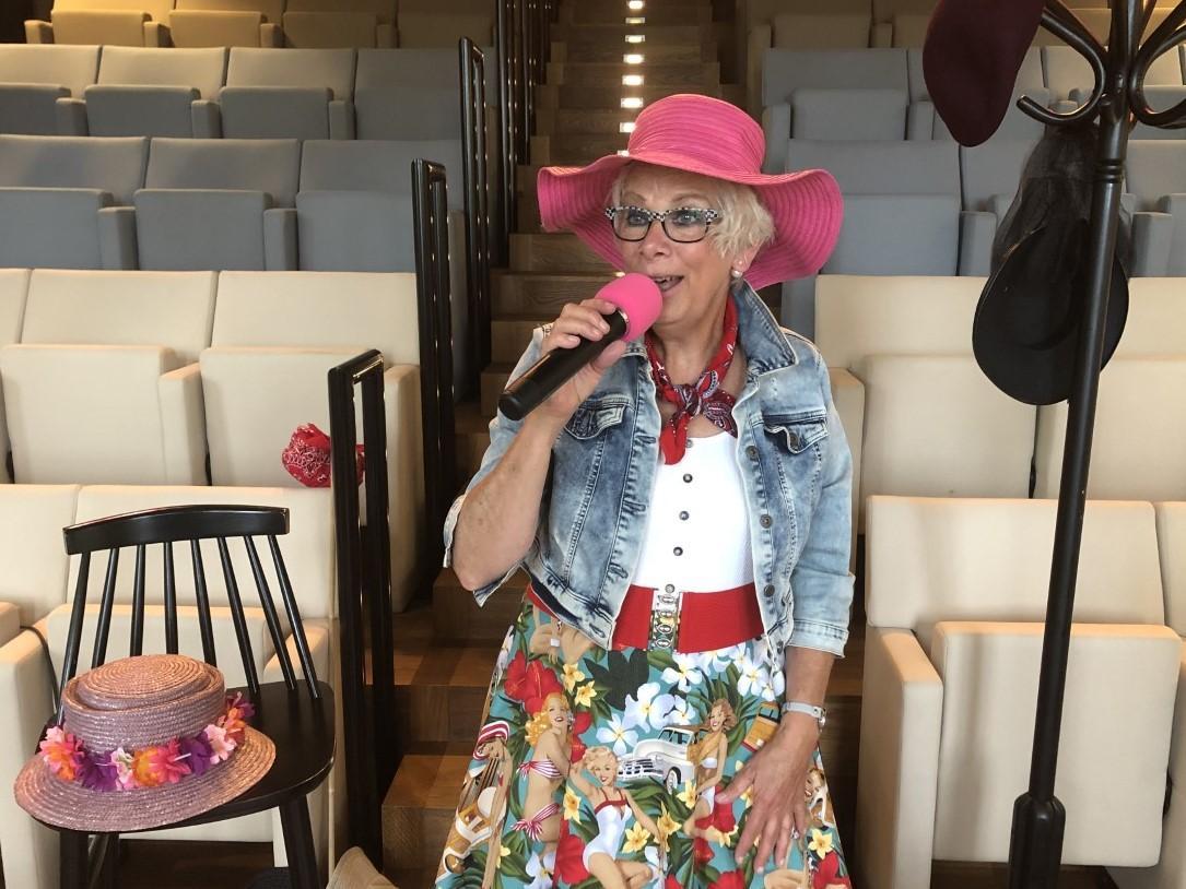Thuis lekker meezingen met de liedjes van Annie M. G. Schmidt. Bibliotheek houdt online concert voor ouderen (en andere fans)