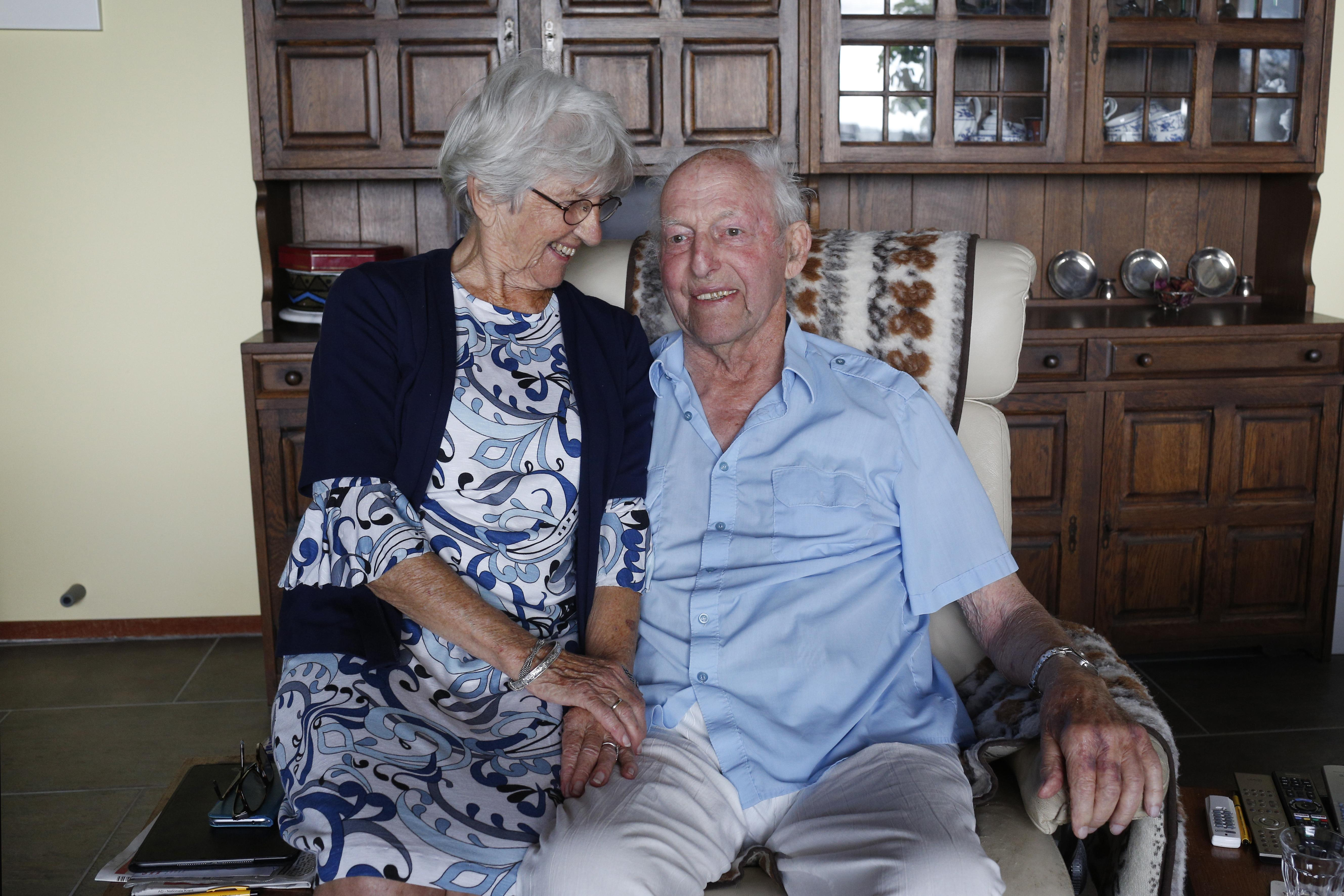 Voormalig tenniscrack en golfster al zestig jaar samen in Kortenhoef: 'Ik dacht, we redden het niet meer, maar gelukkig konden we het toch vieren'