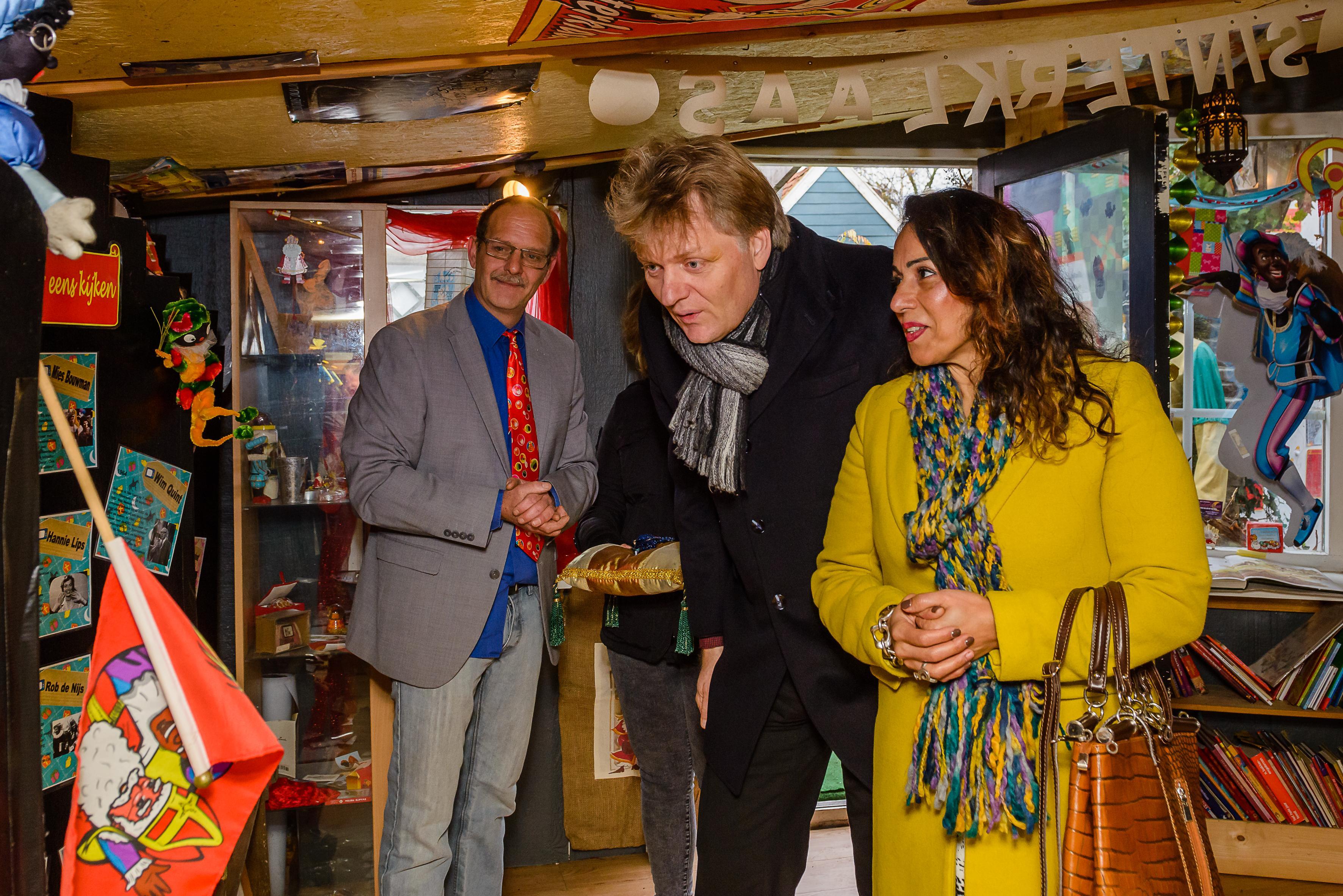 Foto met échte Sint vanaf nu dé topper in Sinterklaasmuseum Westzaan