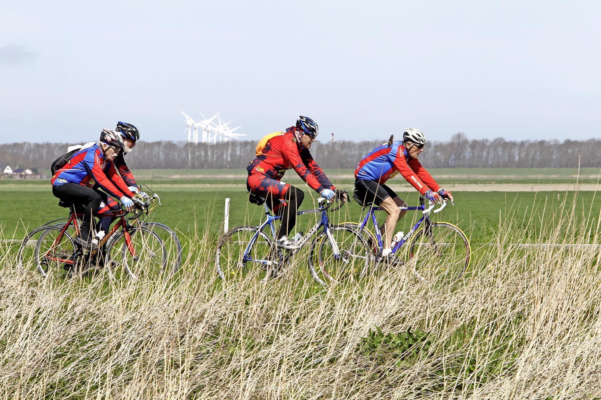 Monstertocht: 300 kilometer op de fiets van Purmerend naar Gorinchem tijdens de Hollandse Waterlinies Fietstour. Er zijn ook kortere routes uitgezet