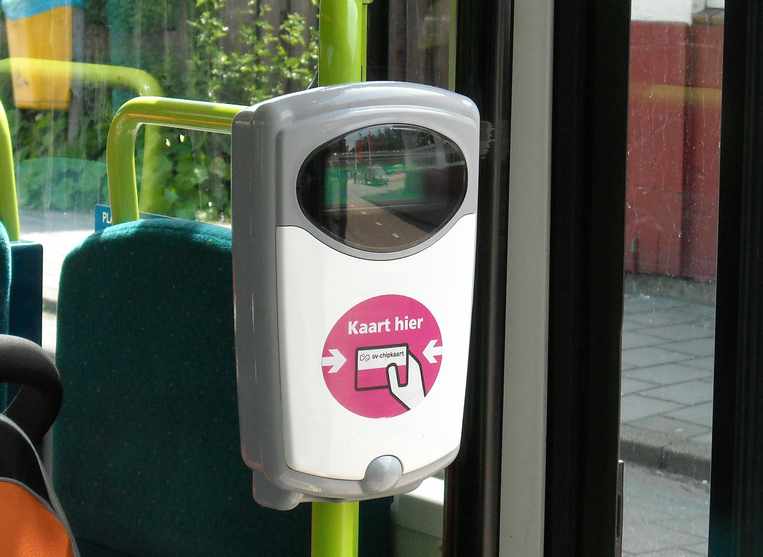 Reizigers in Enkhuizen lijken beter af met buurtbus dan met reguliere buslijn