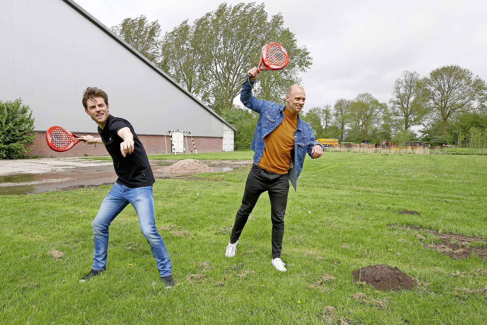 Waarom heeft de Noordkop nog geen eigen padelbaan? Jan Bakker en Maikel van Tilburg maken er werk van. 'We willen alles zelf gaan regelen'