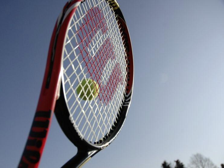 Wie is de baas op het tenniscomplex? Rechter moet duidelijkheid scheppen in voortdurende twist