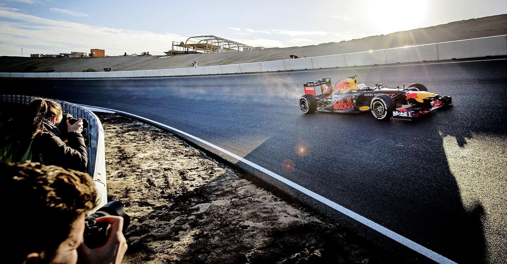Hoe aantrekkelijk is een Formule 1-race zonder publiek in Zandvoort? 'Ik rijd soms een wedstrijd waar geen kip op af komt. Dat is gewoon niet leuk'