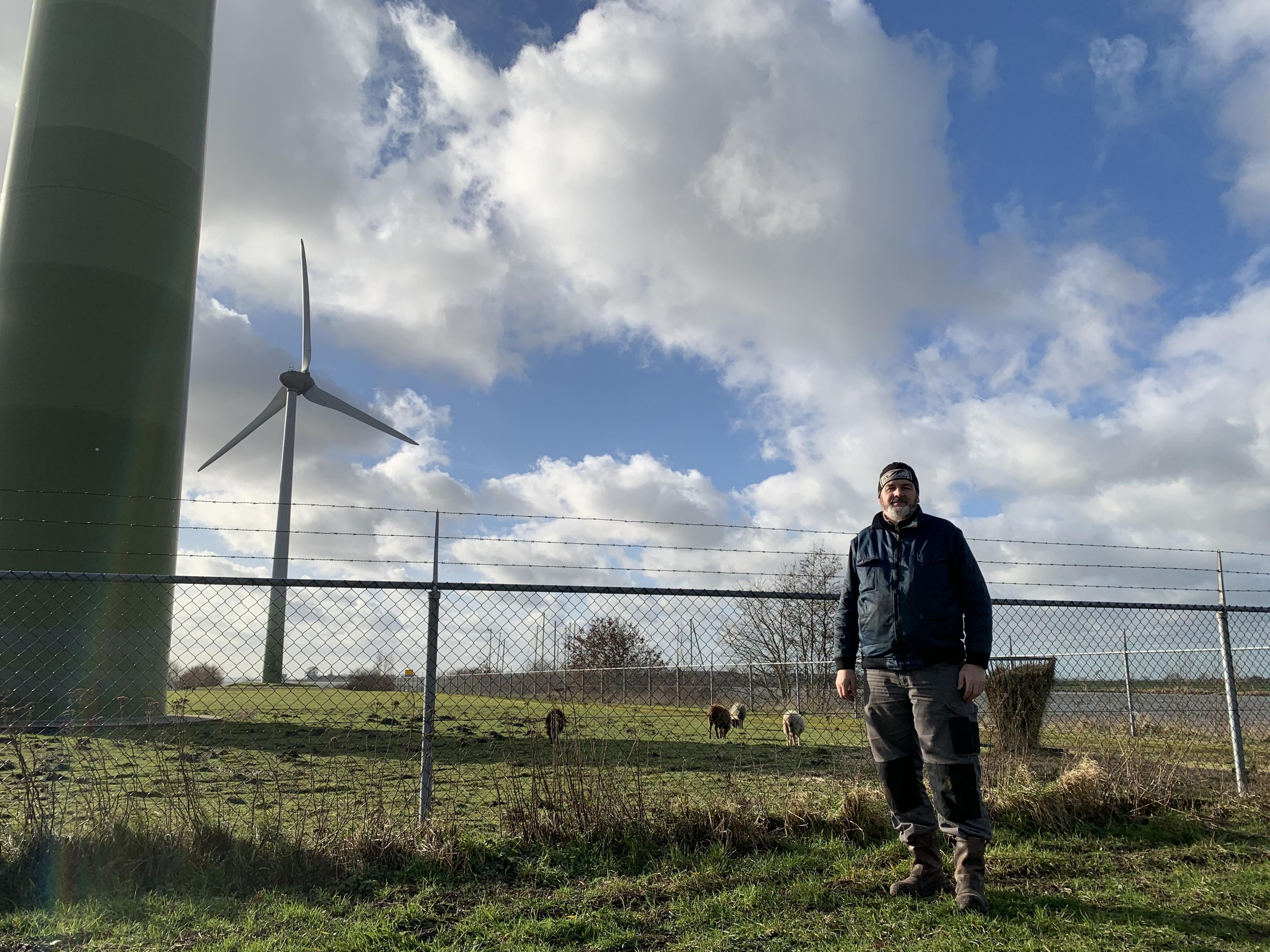 Meer molens langs de dijk? 'Ik vrees dat de overlast van de windmolens exponentieel toeneemt als het doorgaat'