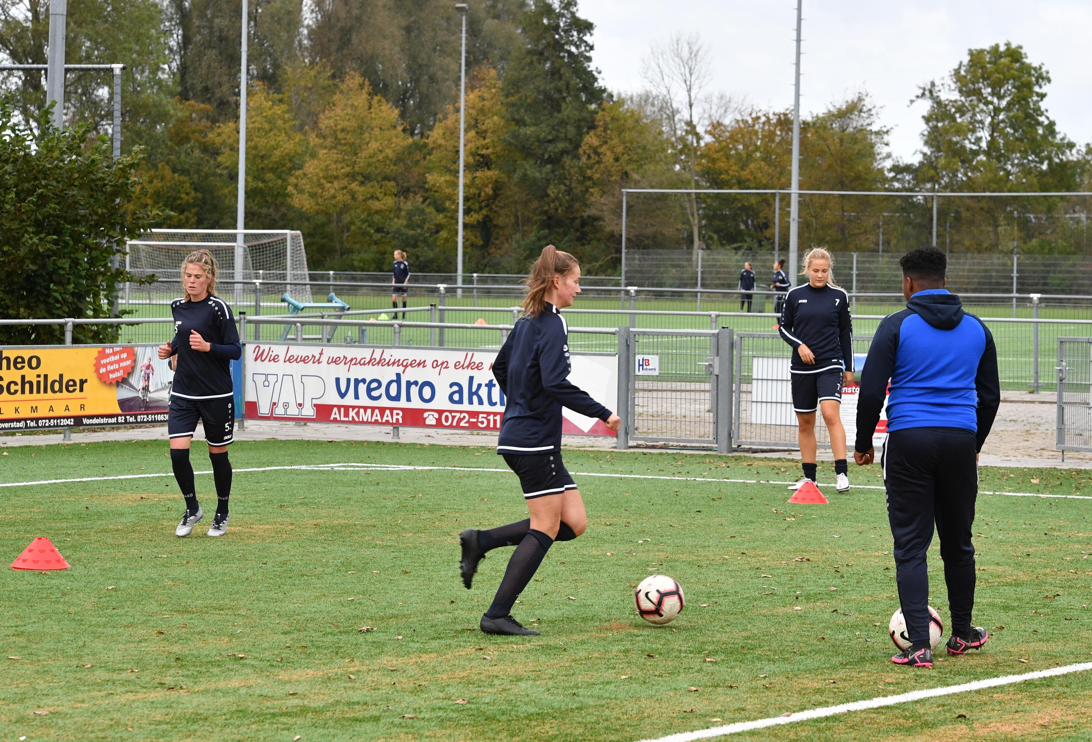 VV Alkmaar opgelucht dat competitie Vrouwen Eredivisie zo snel mogelijk wordt voorgezet: 'We blijven ons voorlopig aan de restricties houden'