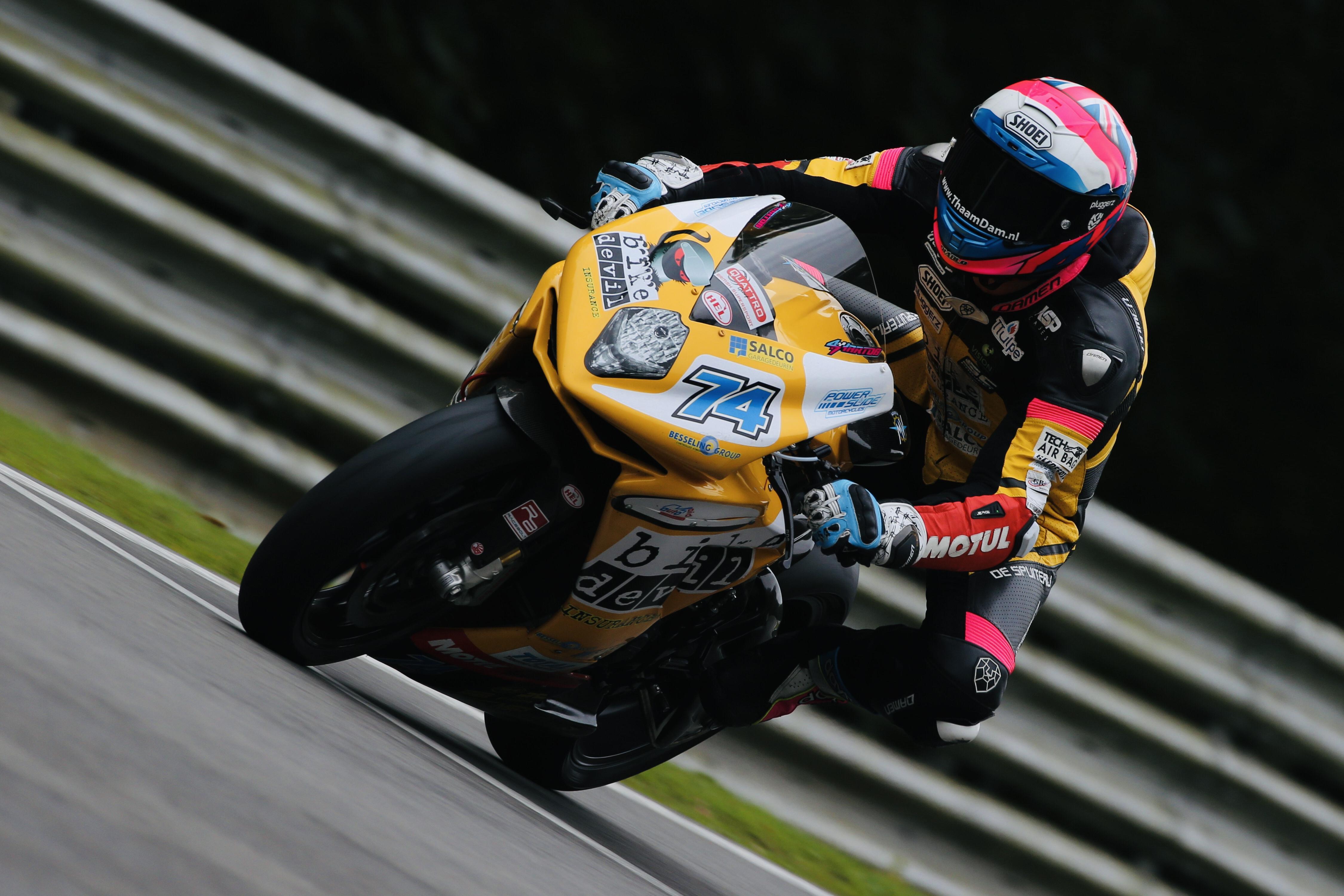 Op een voor hem onbekende motor, op circuits waarop hij niet eerder racete én voor een nieuw team sluit Rob Hartog zijn eerste jaar in het British Supersport af op plek 9