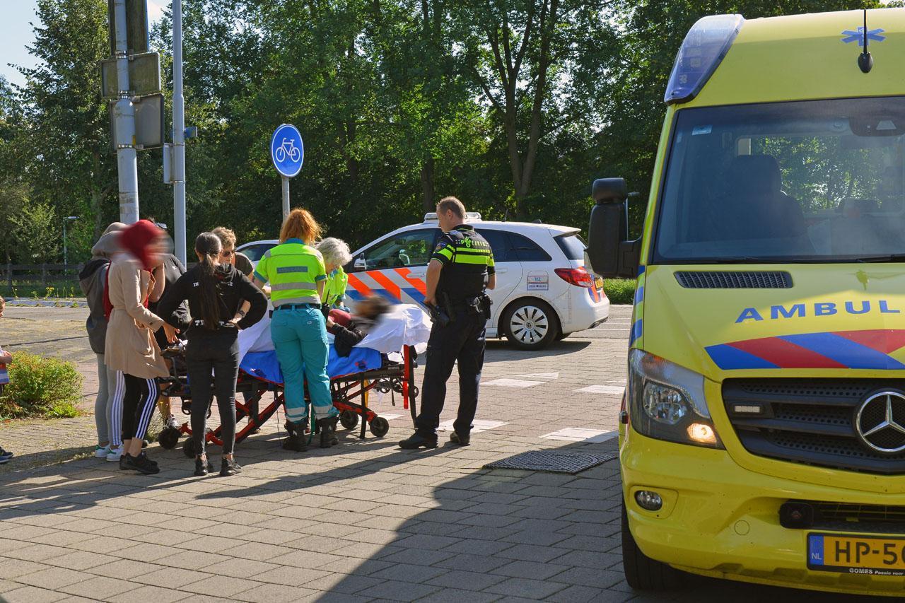 Fietsster gewond bij botsing met scooter in Hoofddorp