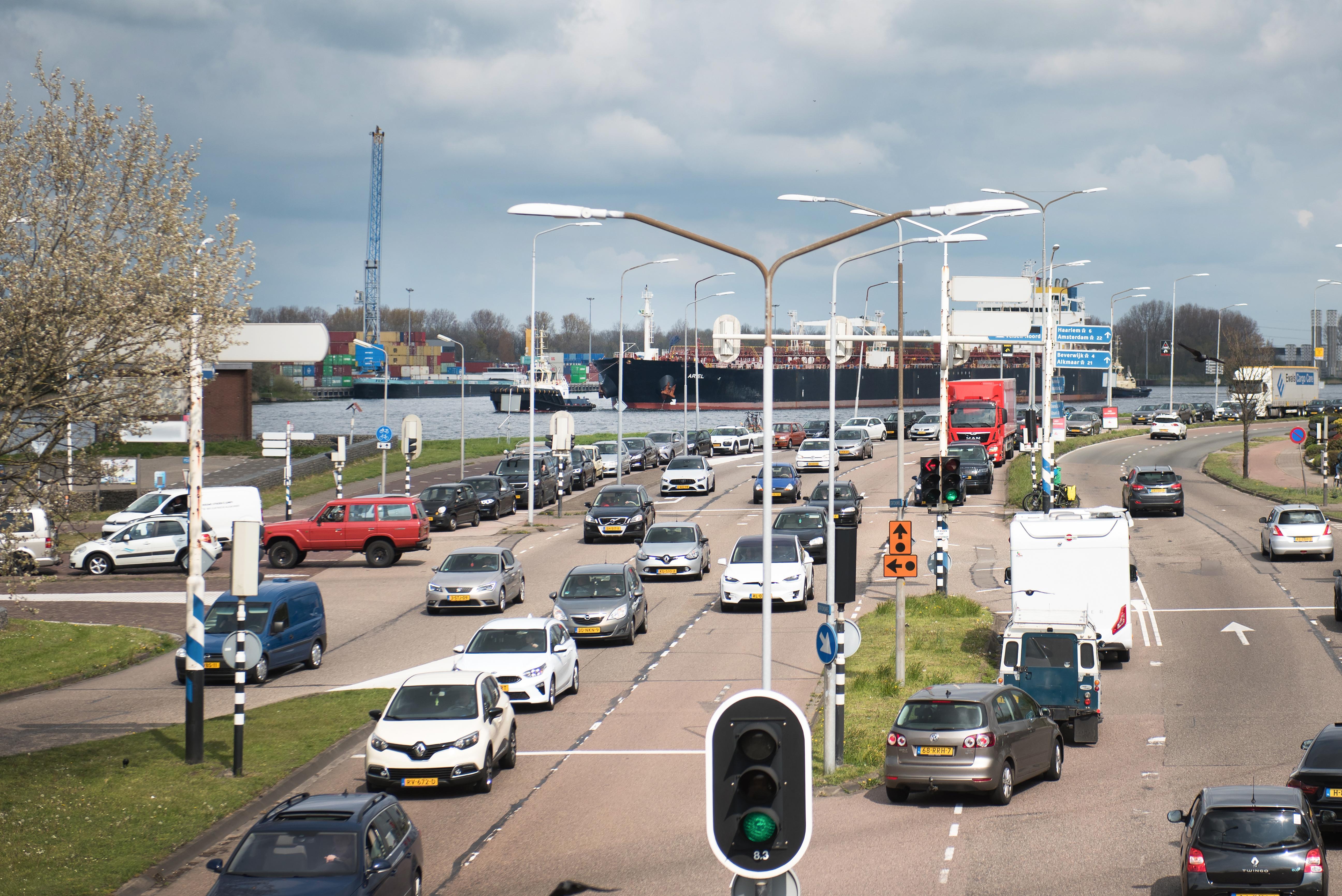 Moet Velsen een hardere toon aanslaan richting Rijkswaterstaat? Wat vind jij? Doe mee met de IJmondstelling