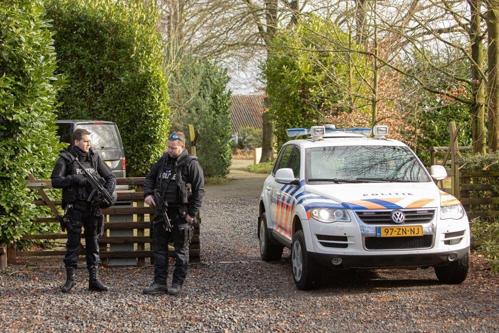 Drugslab aangetroffen in pand in buitengebied Eemnes, terrein wordt zwaar bewaakt [update]