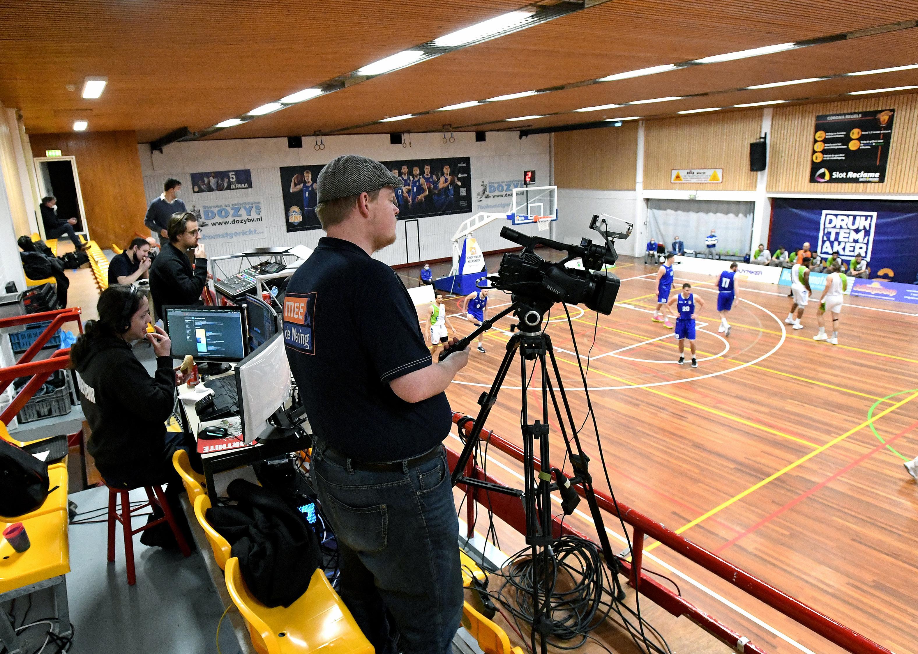 Iedereen in de Dutch Basketball League lijkt blij met 'flauw aftreksel', ook al moeten de clubs flink toeleggen op een competitie zonder publiek