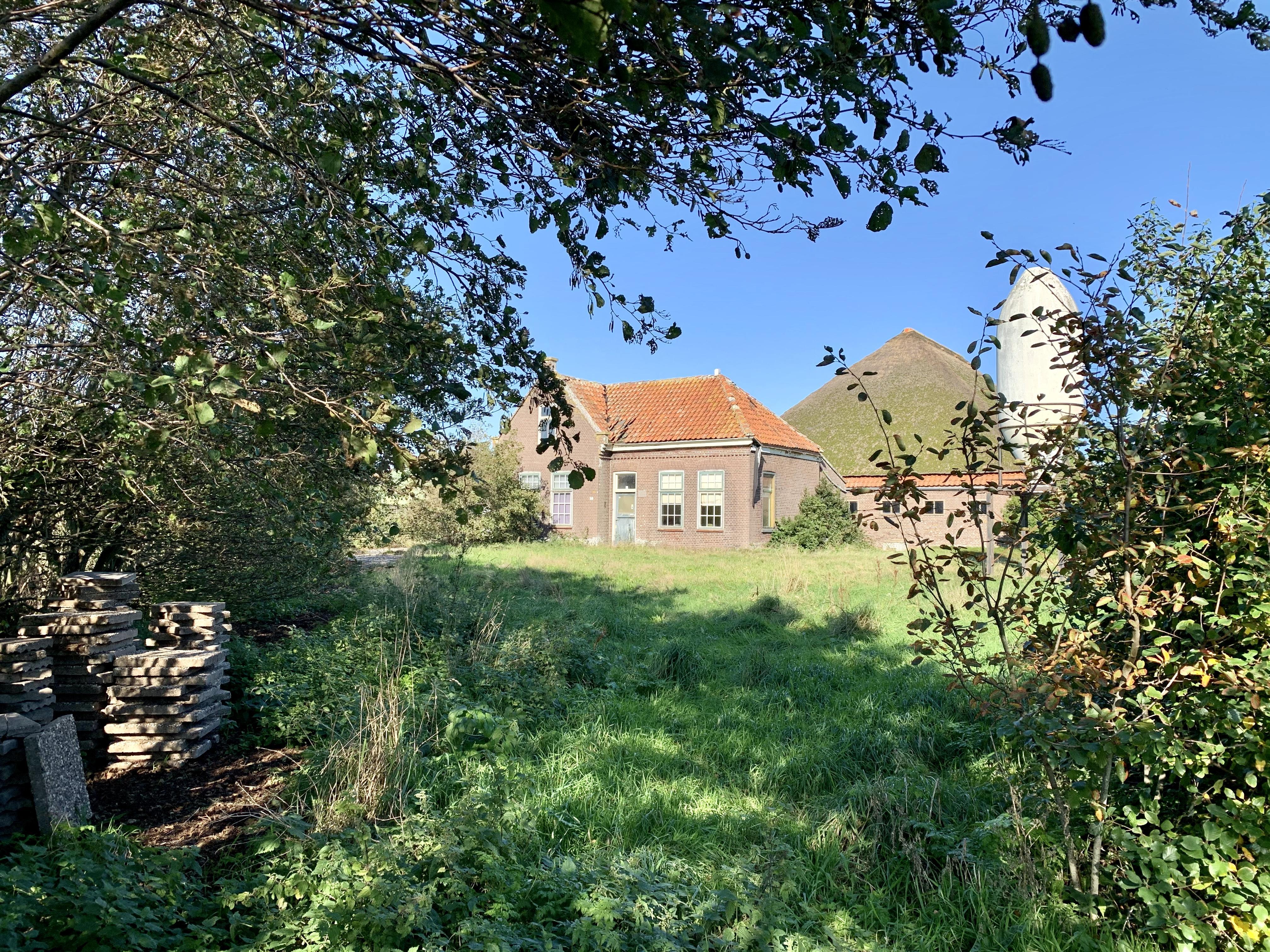 Veel weerstand uit het dorp, maar de gemeente zet toch door. Aan de Helmweg in Groote Keeten mag een nieuw hotel komen
