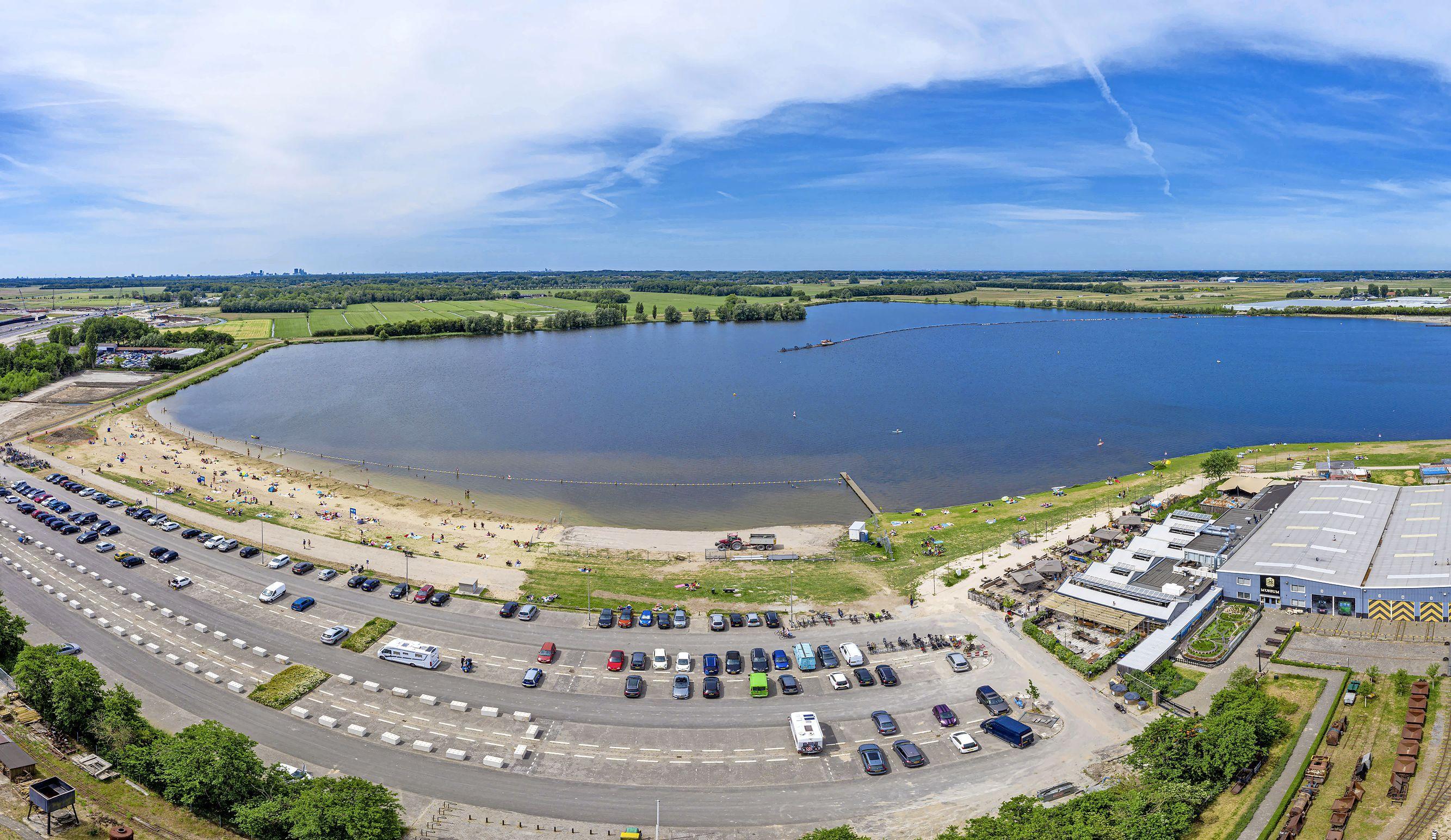 Wassenaar roept Katwijk op om af te zien van windmolens bij Valkenburgse Meer: 'Verstoring van de rust en horizonvervuiling'