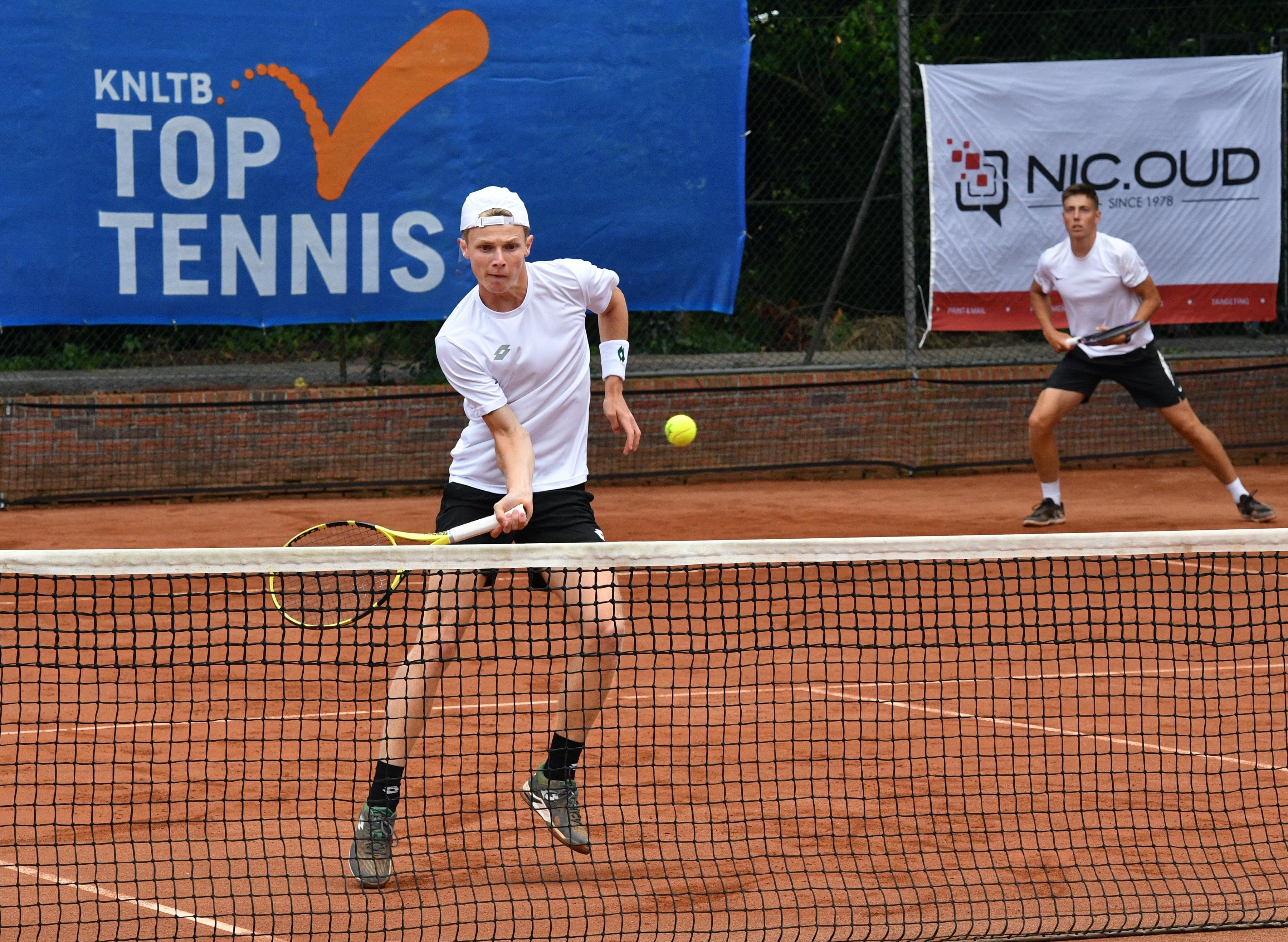 Ineens de favoriet: Jesper de Jong (21) moet bij tennistoernooi in Alkmaar laten zien dat succes in Kazachstan geen toevalstreffer was