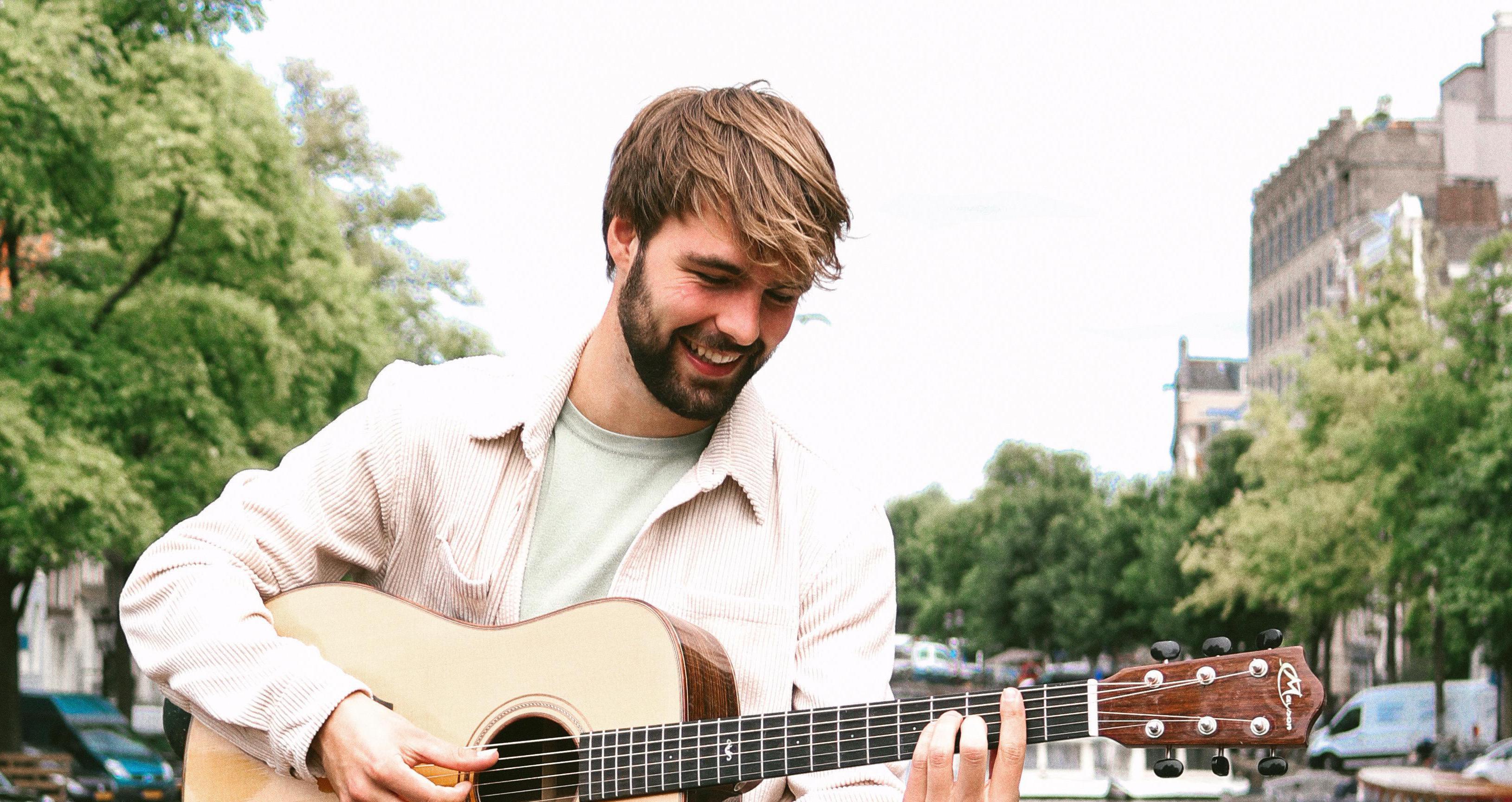 Singer-songwriter Sven Ross uit Hoogkarspel start crowdfunding voor 'tweede' debuut-ep: 'Op deze liedjes ben ik over dertig jaar ook nog trots' [video]