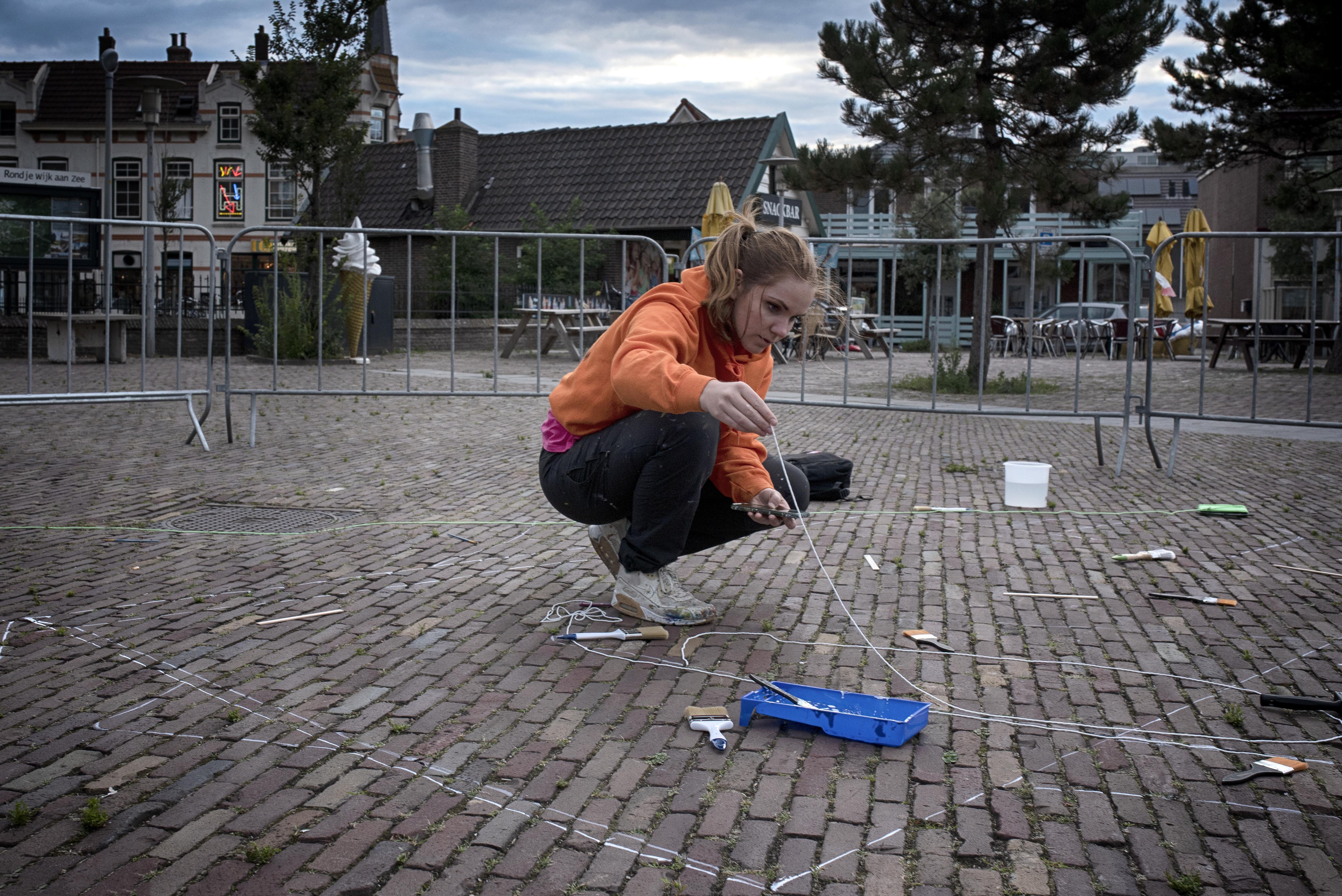 Smakelijke 3D-kunst op Julianaplein Wijk aan Zee met een knipoog naar het afgelaste Smaakfestival