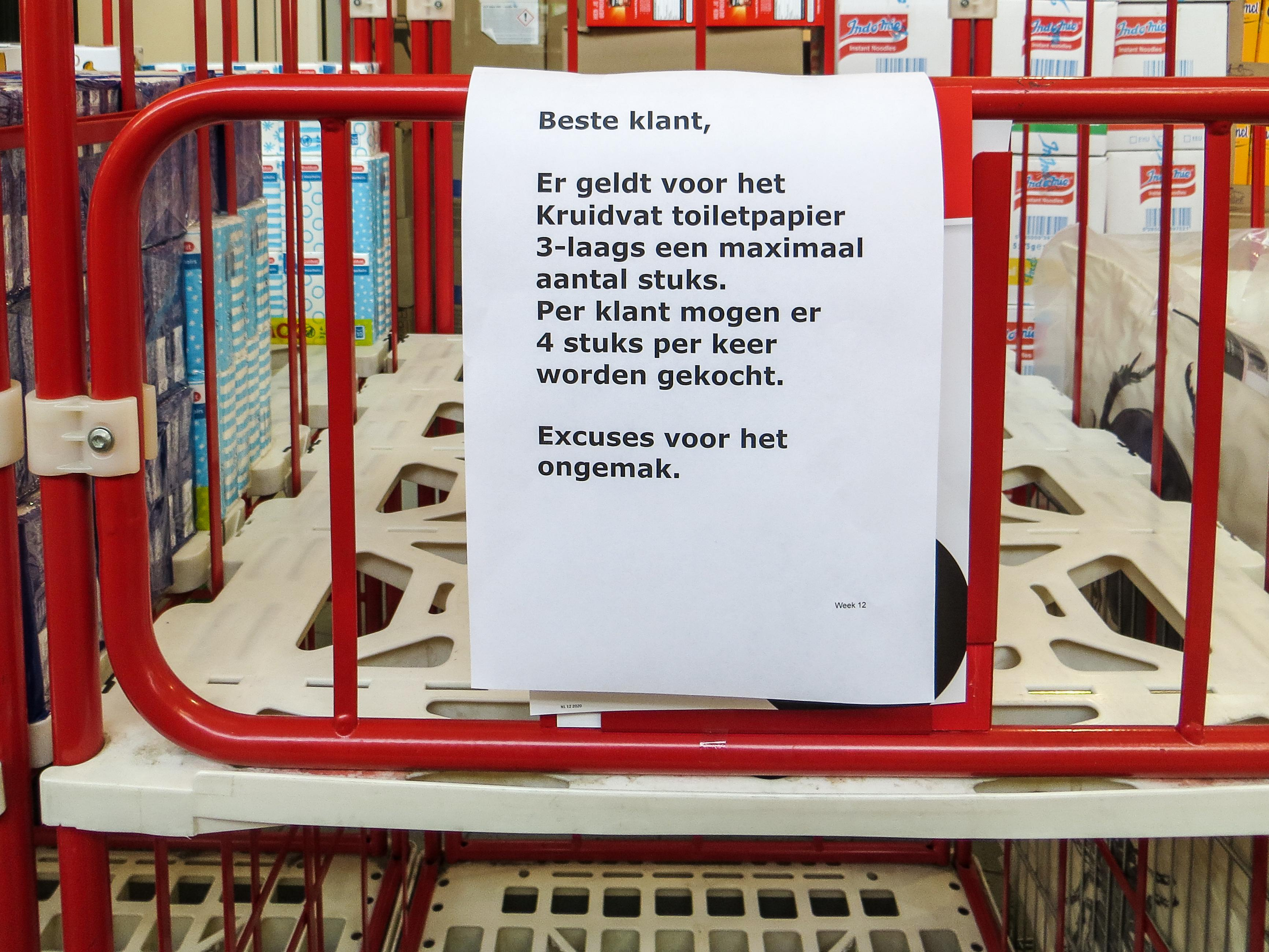 Kruidvat zet rem op verkoop wc-papier en zuigelingenvoeding