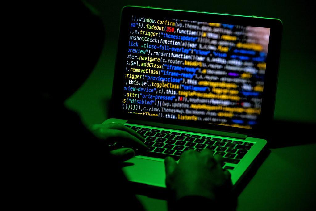 Provincies gooien tien digitale deuren dicht voor hackers. 'Het is hinderlijk en het is vervelend. Dit wil je niet'
