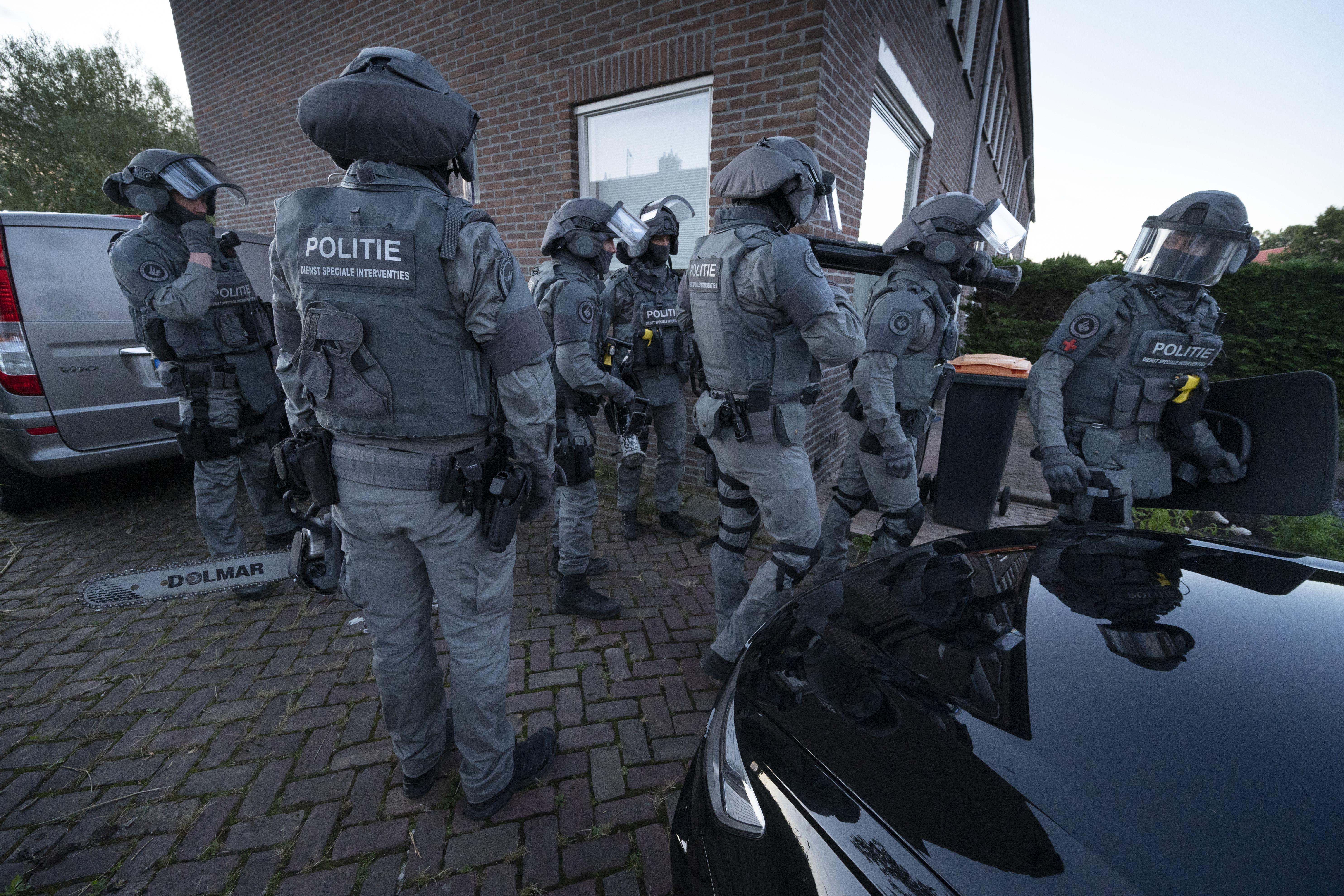 Arrestatieteam pakt in Lisse verdachte woningoverval op; politiechef waarschuwt jeugd Hillegom