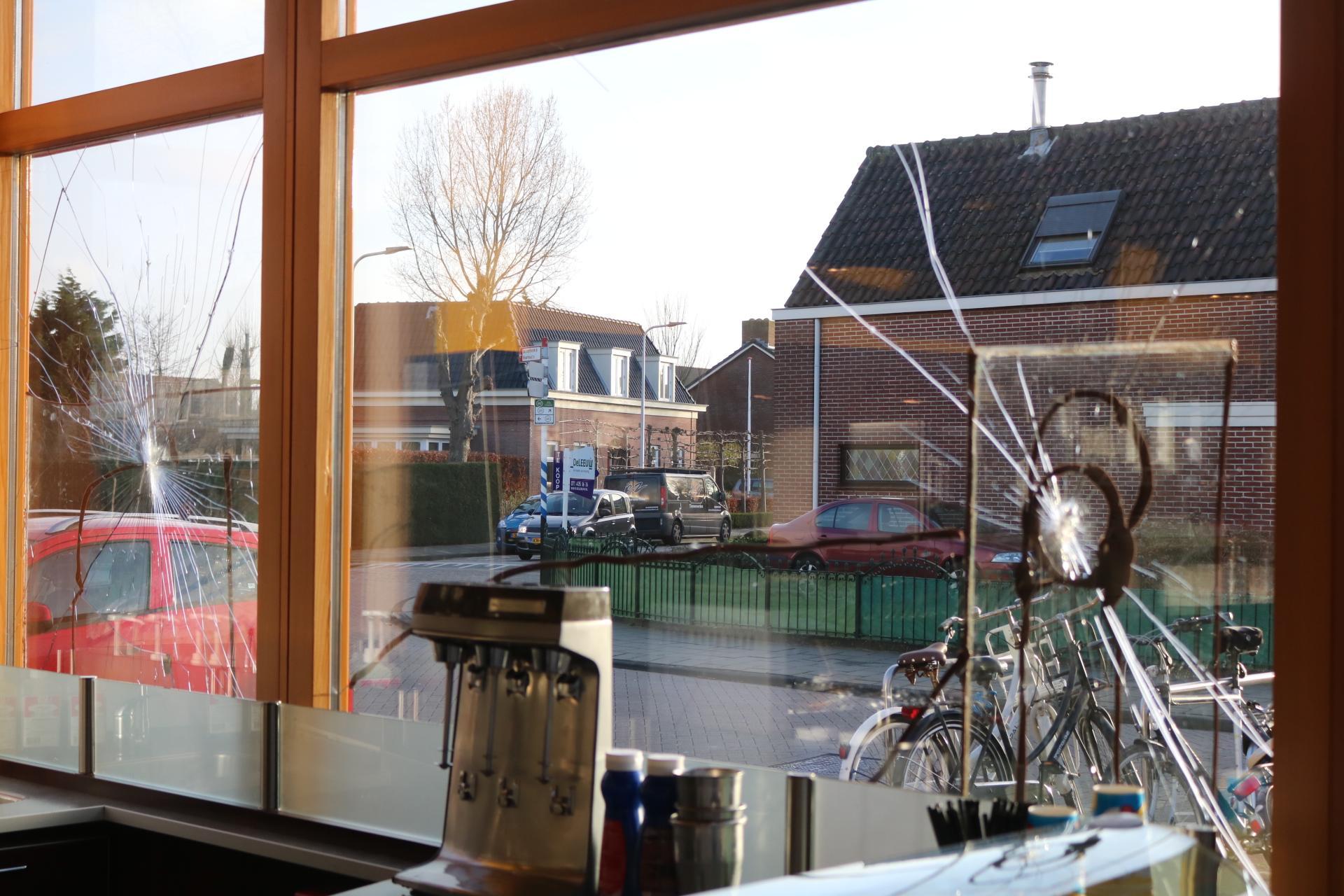 45-jarige man uit Katwijk opgepakt voor vernielen snackbar in Rijnsburg