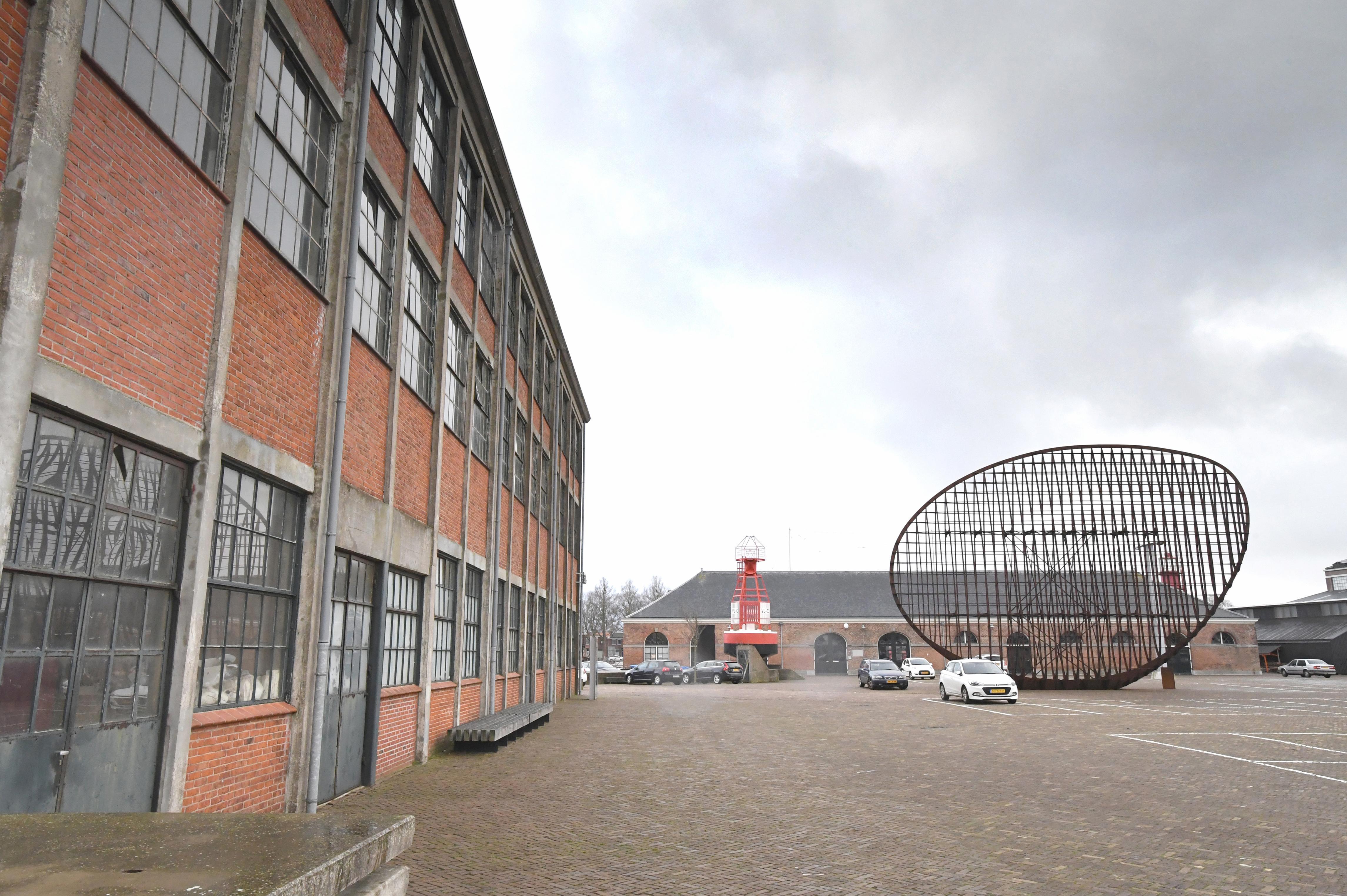 Wat gaat het stadhuis op Willemsoord precies kosten? Burgemeester en wethouders van Den Helder zijn het aan de inwoners verplicht om daar duidelijkheid over te verschaffen, zegt Senioren Actief