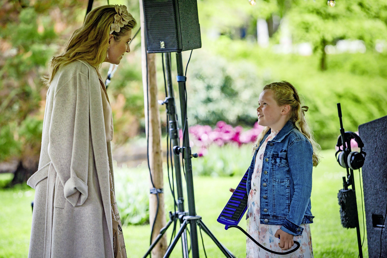Koningin Máxima bezoekt als erevoorzitter van Méér Muziek in de Klas de Keukenhof
