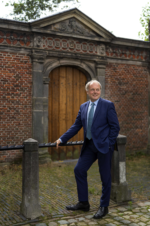 Leiden gaat met jongerencampagne hernieuwde strijd met coronavirus aan. Burgemeester Lenferink: 'We moeten de ernst van het virus weer inzien'