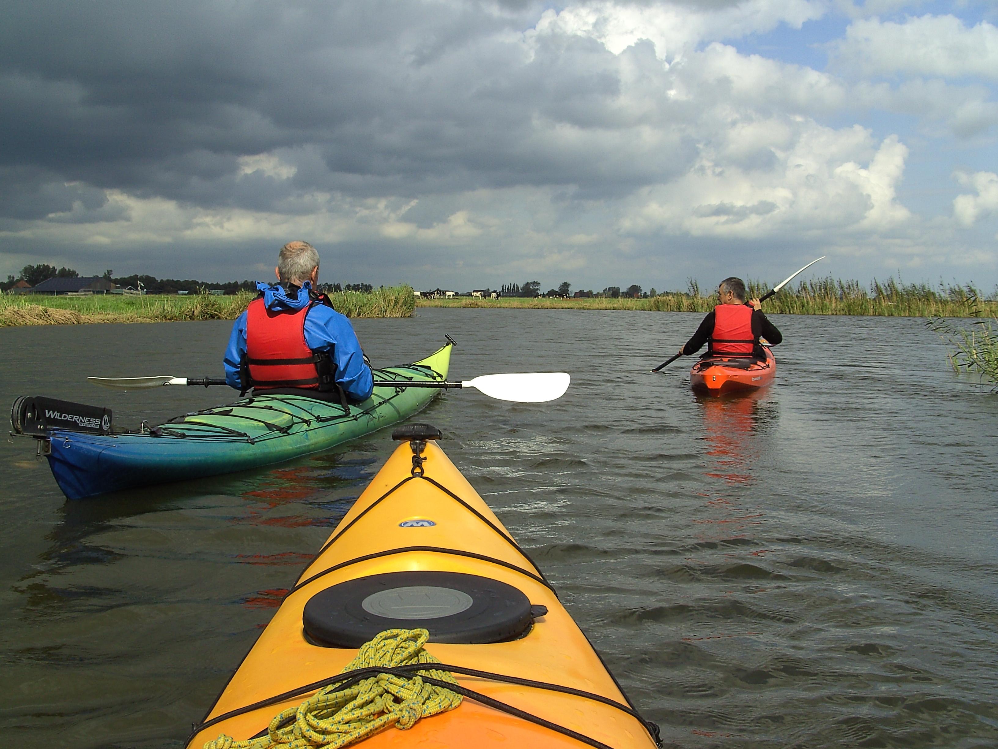 Mooi Nederland ontdekken vanaf het water; Kanoweb verzamelt alle mooie routes voor peddelsporters, suppers en kanoërs. Ervaren en onervaren.