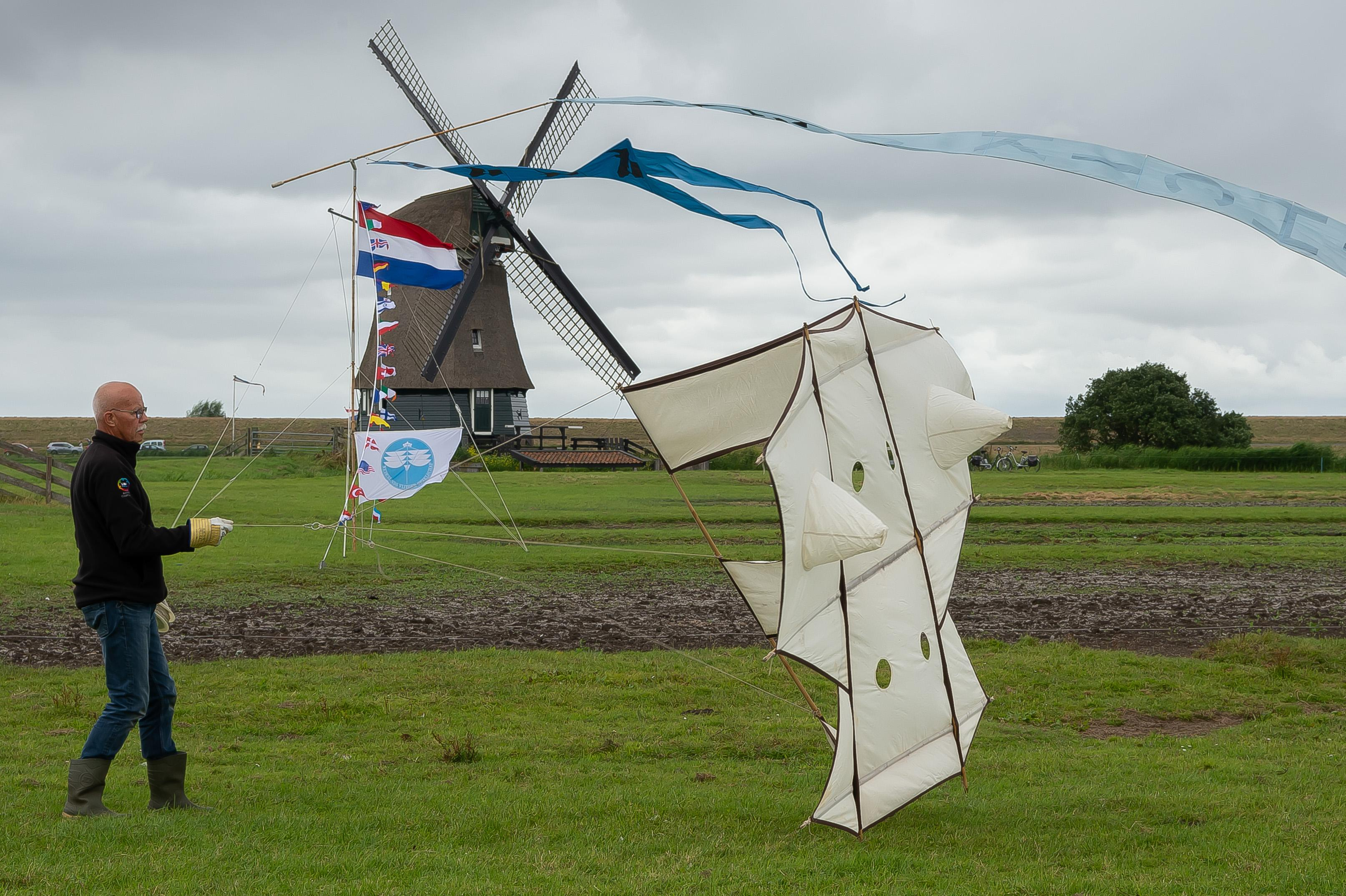 Tiende Vliegerfestival Oosthuizen: 'De eerste keer werd ik finaal gelanceerd'