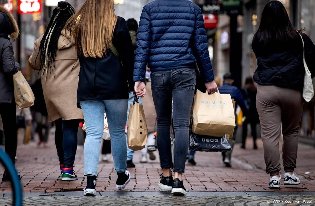 Gemeente Amsterdam: kom niet naar winkelgebied binnenstad