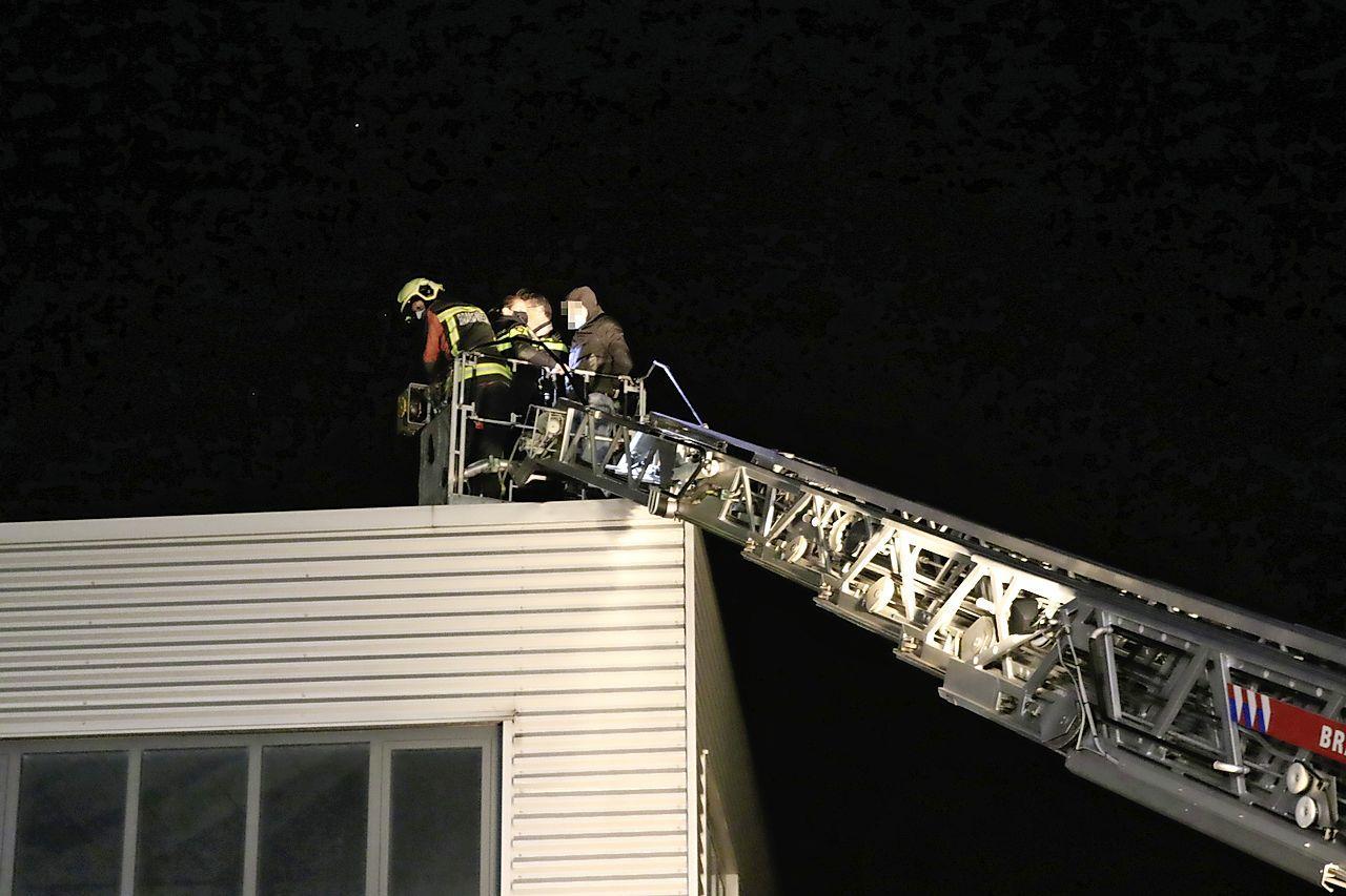 Ladderwagen brandweer ingezet bij aanhouding inbrekers in Rijnsburg