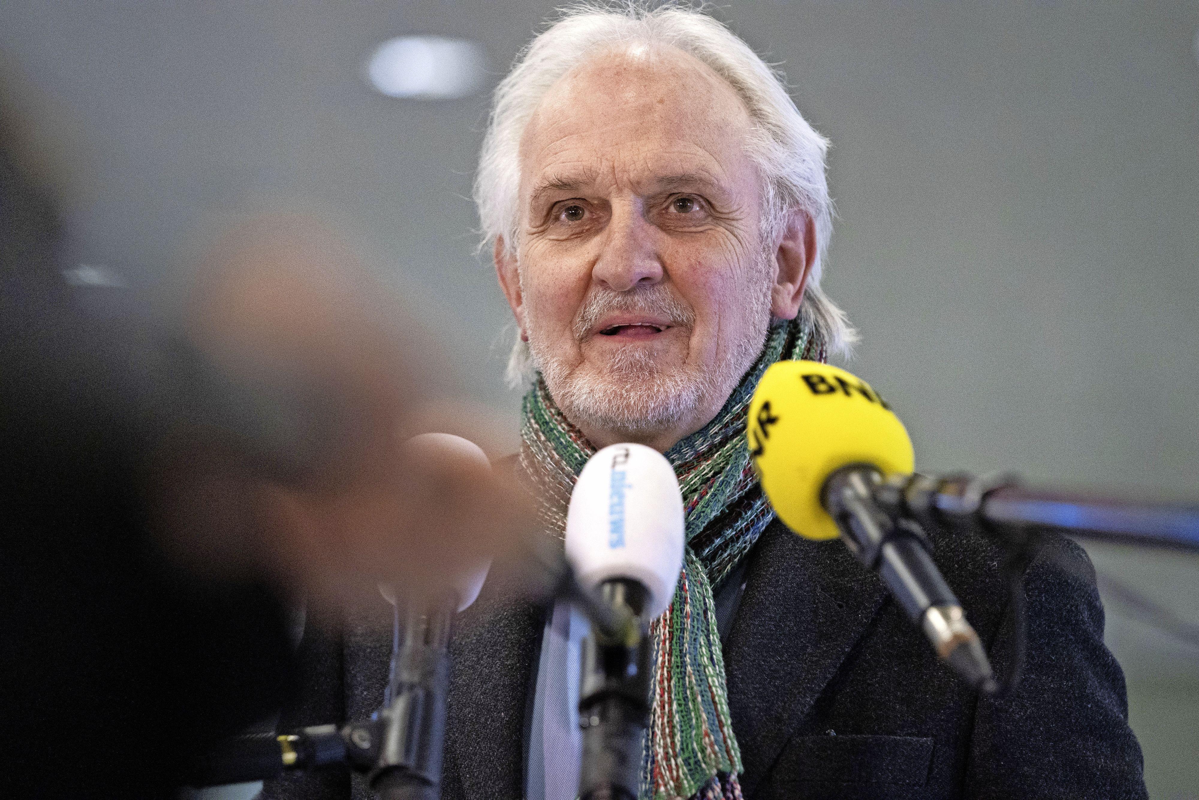 Commissaris van de Koning in gesprek met Hilversumse gemeenteraad over zieke burgemeester Pieter Broertjes