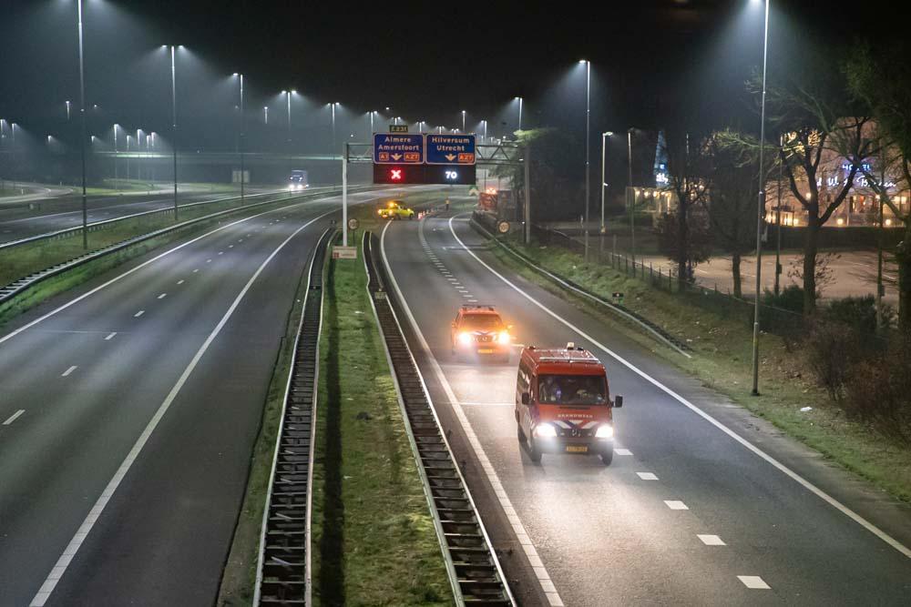 A1 bij Eemnes anderhalf uur dicht voor nachtelijke politieactie voor verwarde man