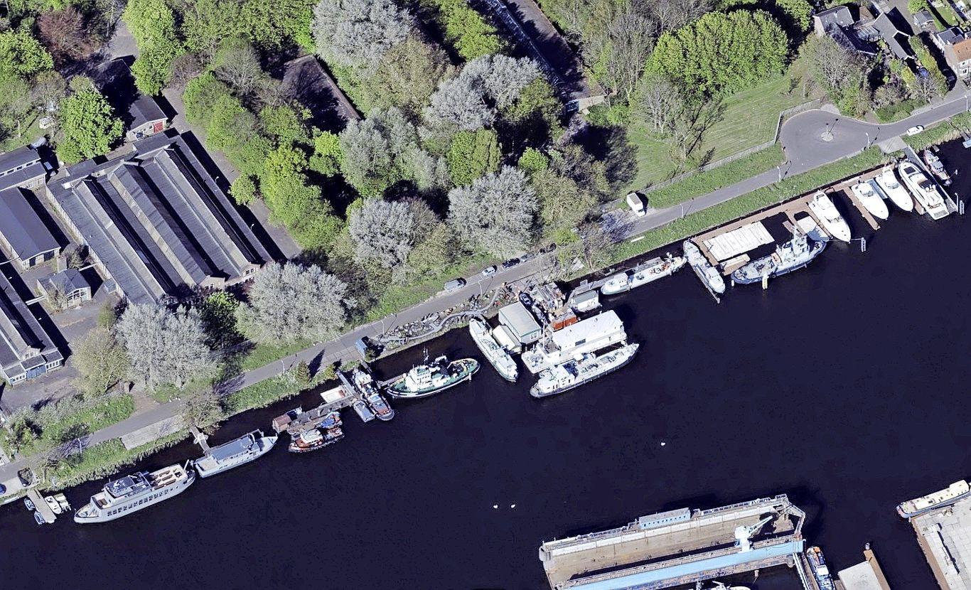 Bewoonster wil sloop van illegaal botenhuis Havenstraat: 'Wij krijgen door de uitbreiding veel meer geluidsoverlast'