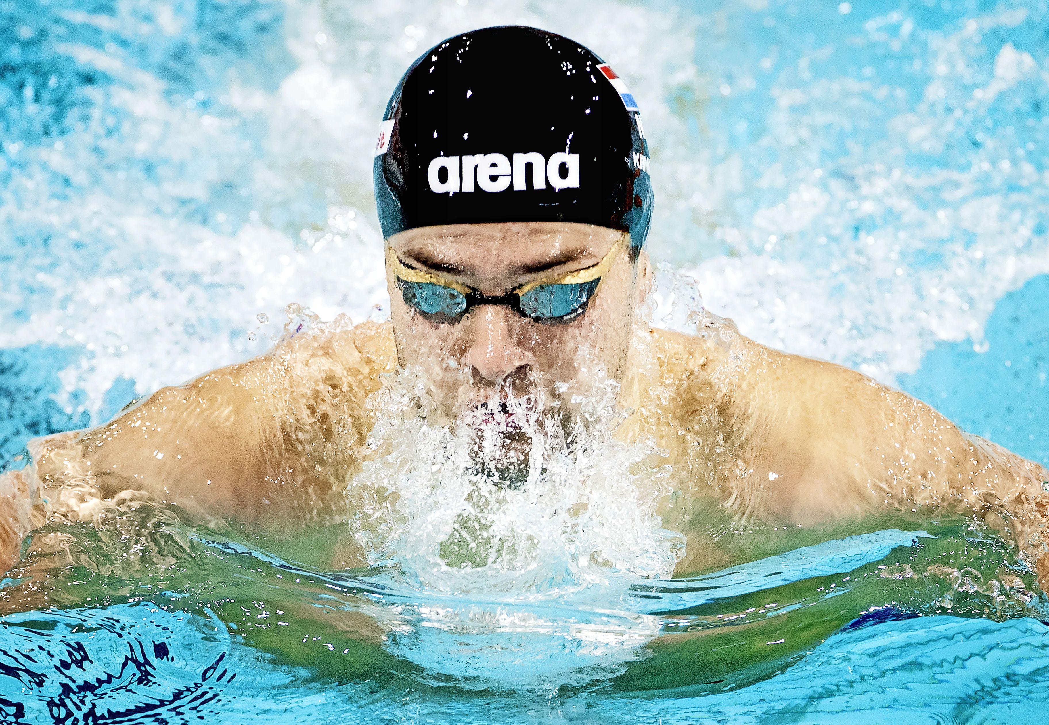 Zwemmer Kamminga onder 58 seconden op 100 meter schoolslag [video]