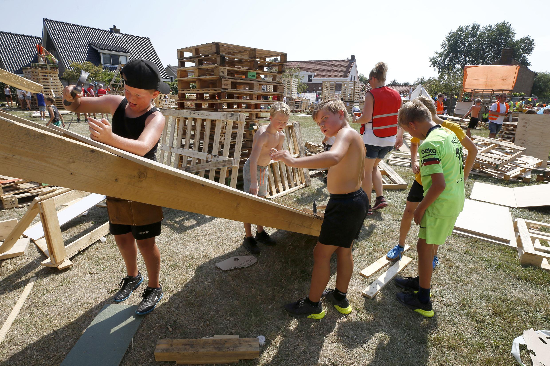 'Blij dat het mocht doorgaan', timmerdorp Tuitjenhorn met 140 kinderen